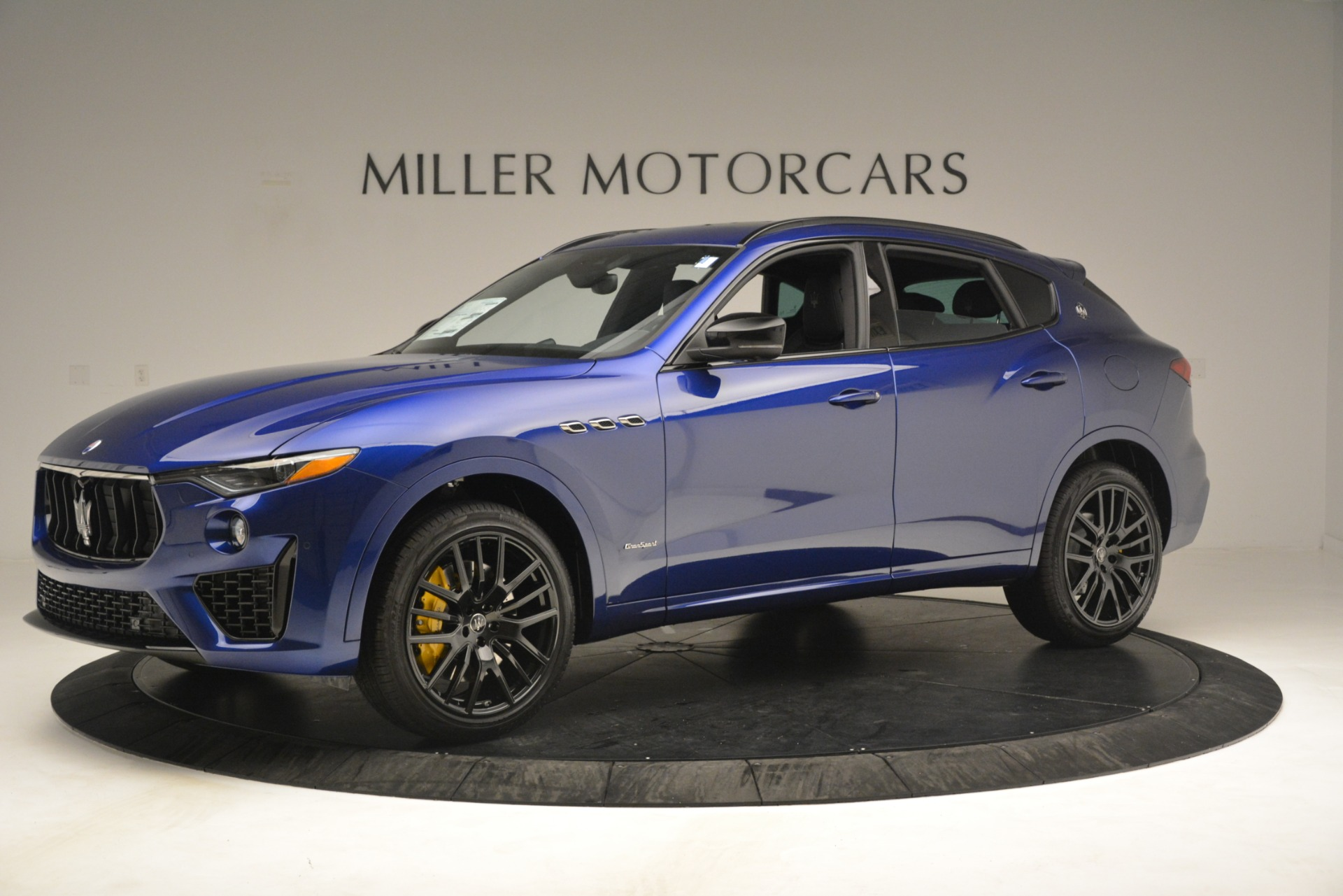 New 2019 Maserati Levante SQ4 GranSport Nerissimo For Sale In Greenwich, CT. Alfa Romeo of Greenwich, M2308 3179_p2