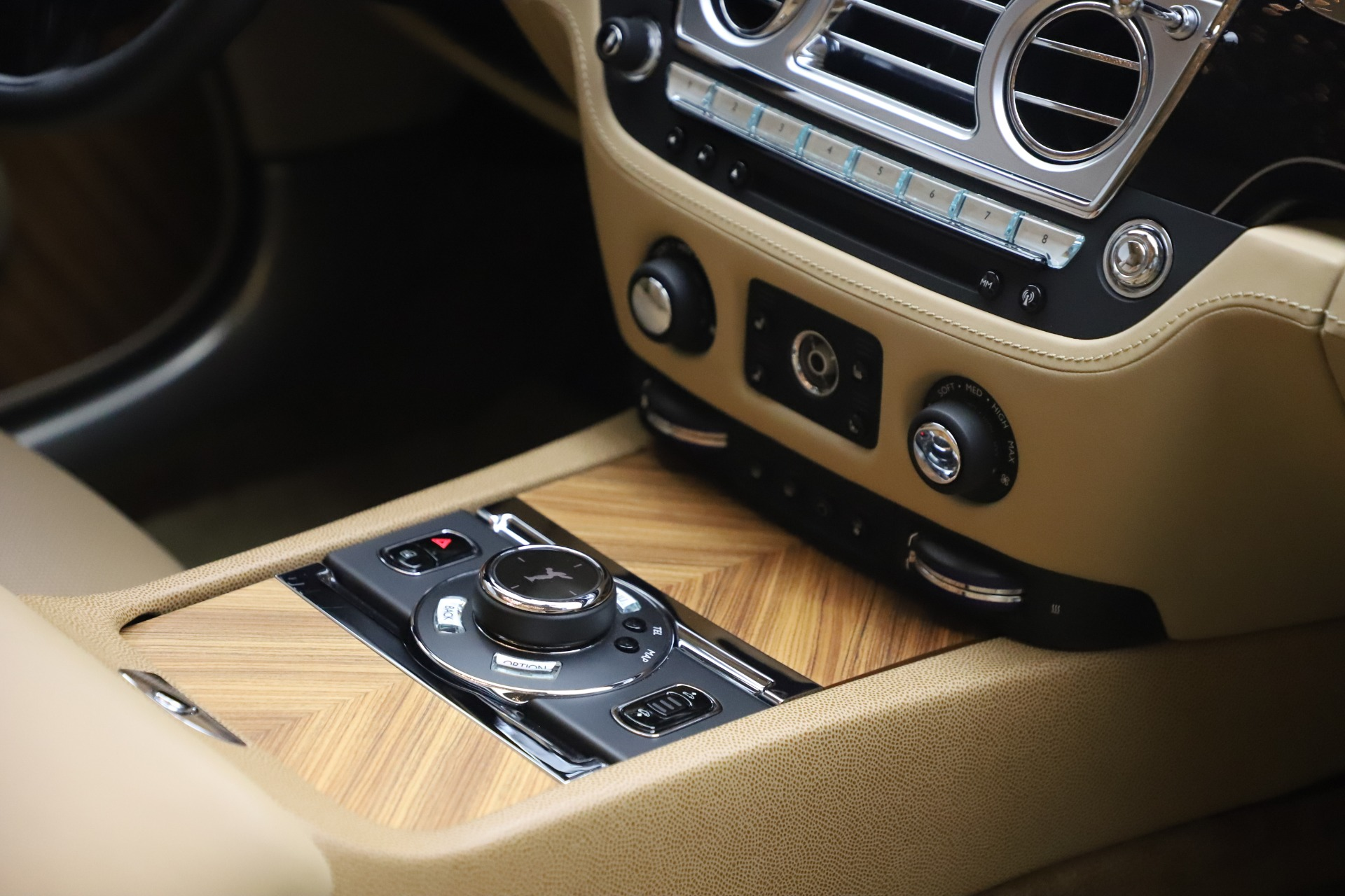 Used 2015 Rolls-Royce Wraith  For Sale In Greenwich, CT. Alfa Romeo of Greenwich, 7554 3184_p25