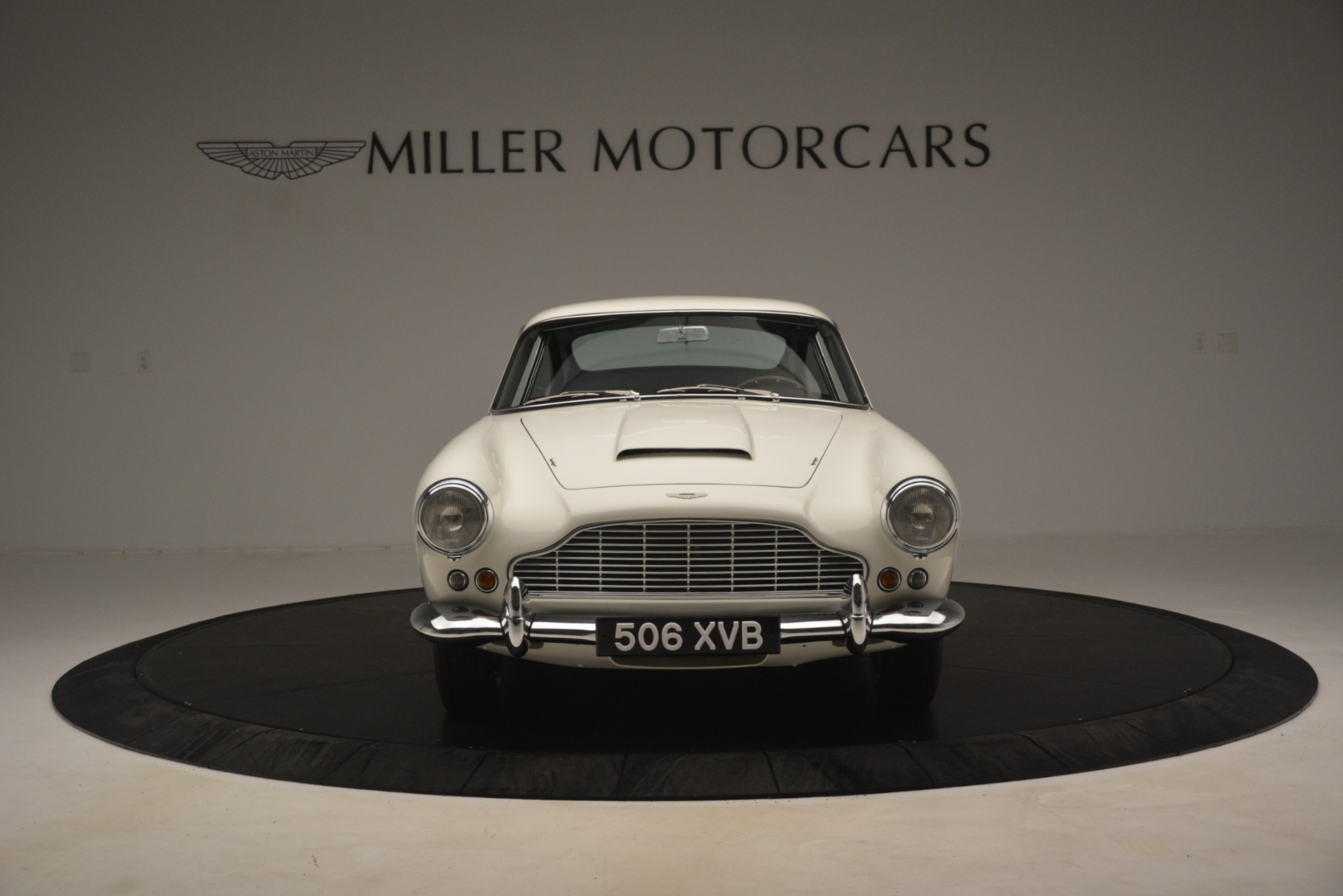 Used 1961 Aston Martin DB4 Series IV Coupe For Sale In Greenwich, CT. Alfa Romeo of Greenwich, 7567C 3186_p12