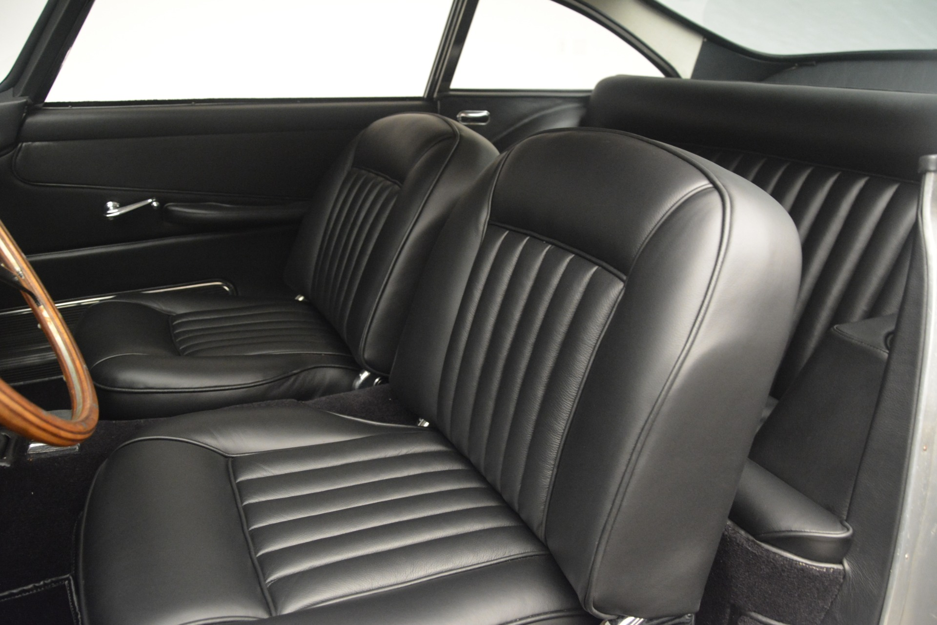 Used 1961 Aston Martin DB4 Series IV Coupe For Sale In Greenwich, CT. Alfa Romeo of Greenwich, 7567C 3186_p22