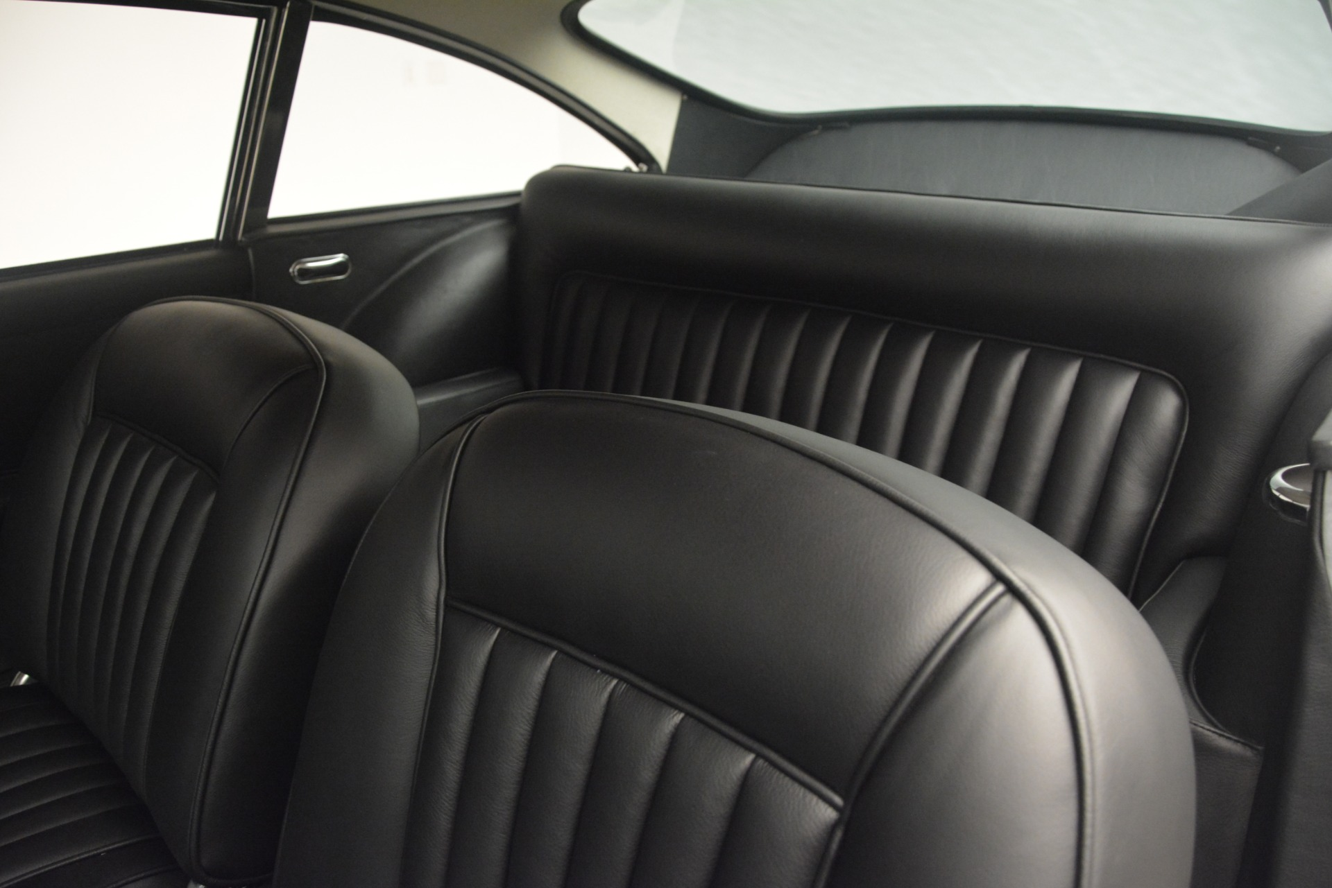 Used 1961 Aston Martin DB4 Series IV Coupe For Sale In Greenwich, CT. Alfa Romeo of Greenwich, 7567C 3186_p23