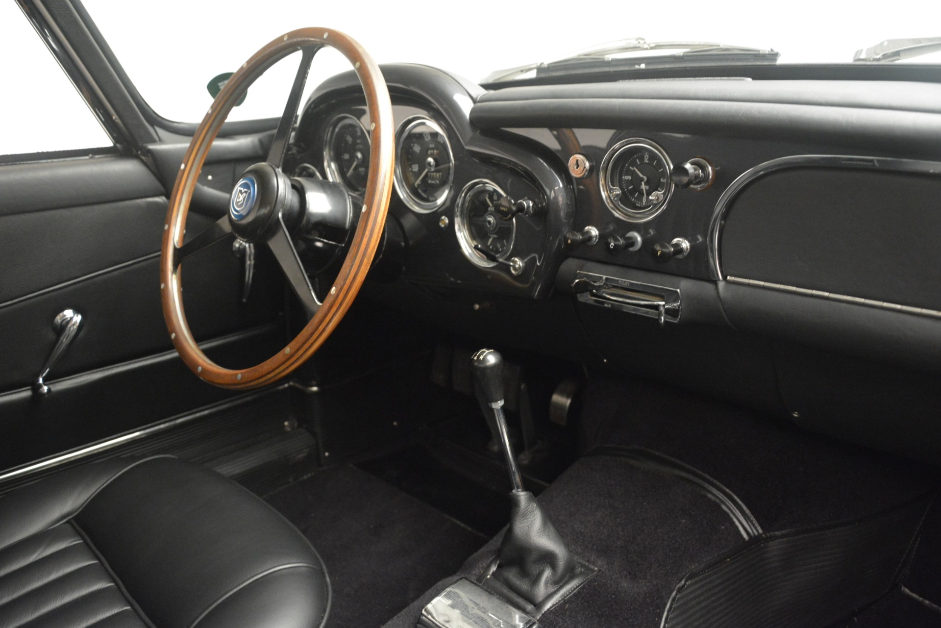 Used 1961 Aston Martin DB4 Series IV Coupe For Sale In Greenwich, CT. Alfa Romeo of Greenwich, 7567C 3186_p26