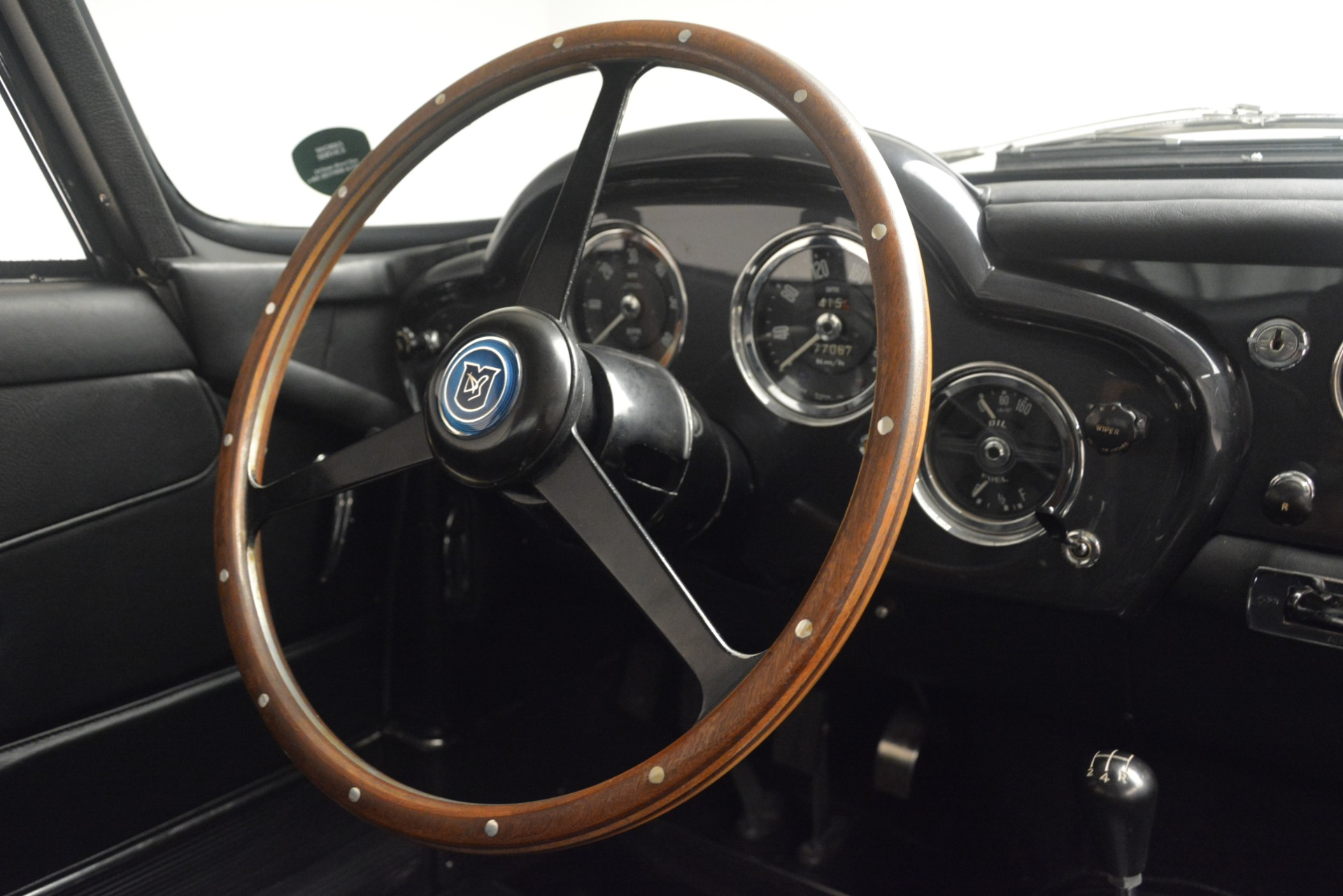 Used 1961 Aston Martin DB4 Series IV Coupe For Sale In Greenwich, CT. Alfa Romeo of Greenwich, 7567C 3186_p27