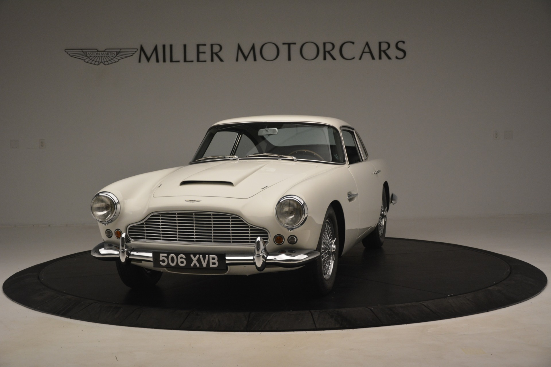 Used 1961 Aston Martin DB4 Series IV Coupe For Sale In Greenwich, CT. Alfa Romeo of Greenwich, 7567C 3186_p2