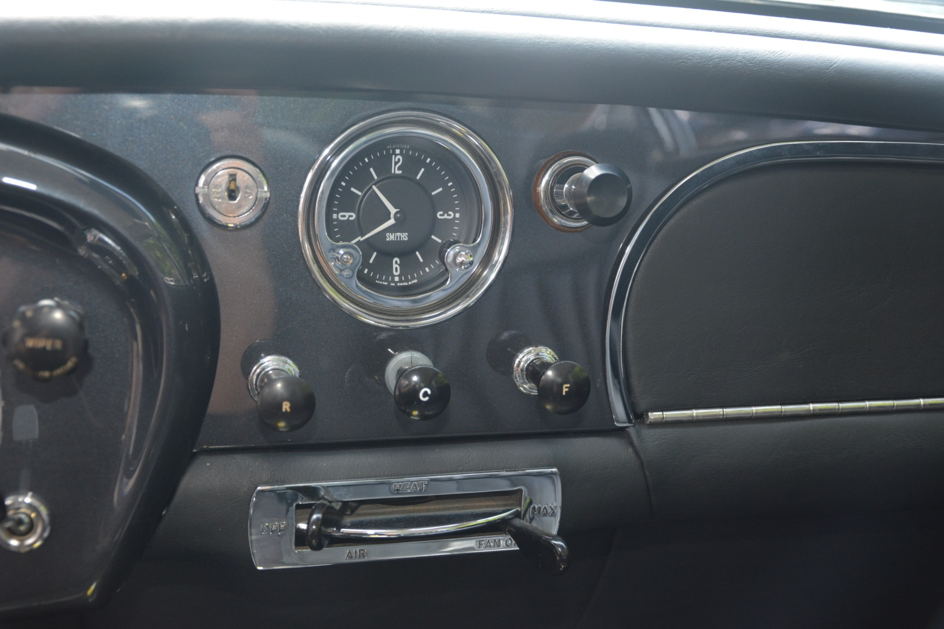 Used 1961 Aston Martin DB4 Series IV Coupe For Sale In Greenwich, CT. Alfa Romeo of Greenwich, 7567C 3186_p30