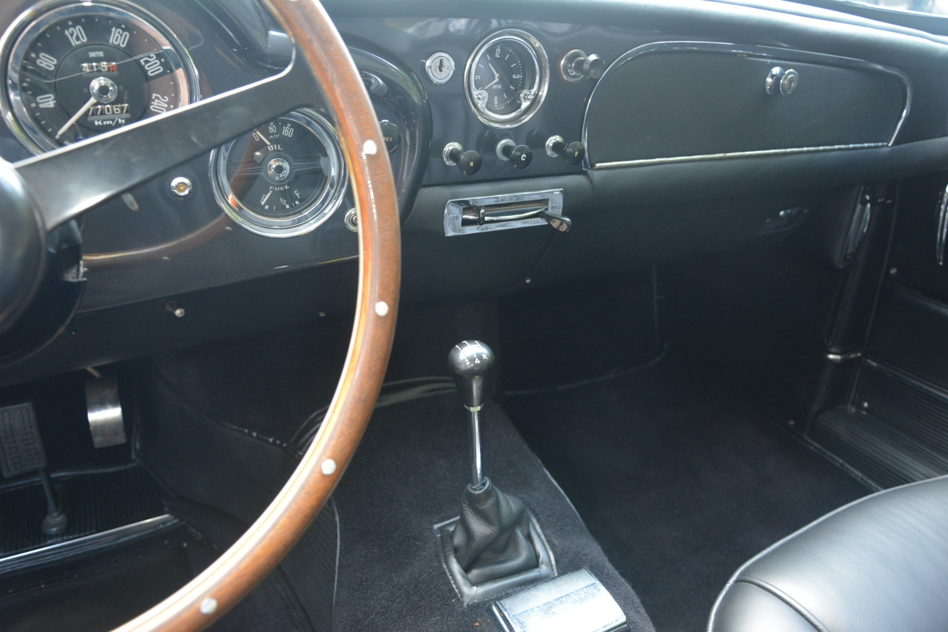 Used 1961 Aston Martin DB4 Series IV Coupe For Sale In Greenwich, CT. Alfa Romeo of Greenwich, 7567C 3186_p31