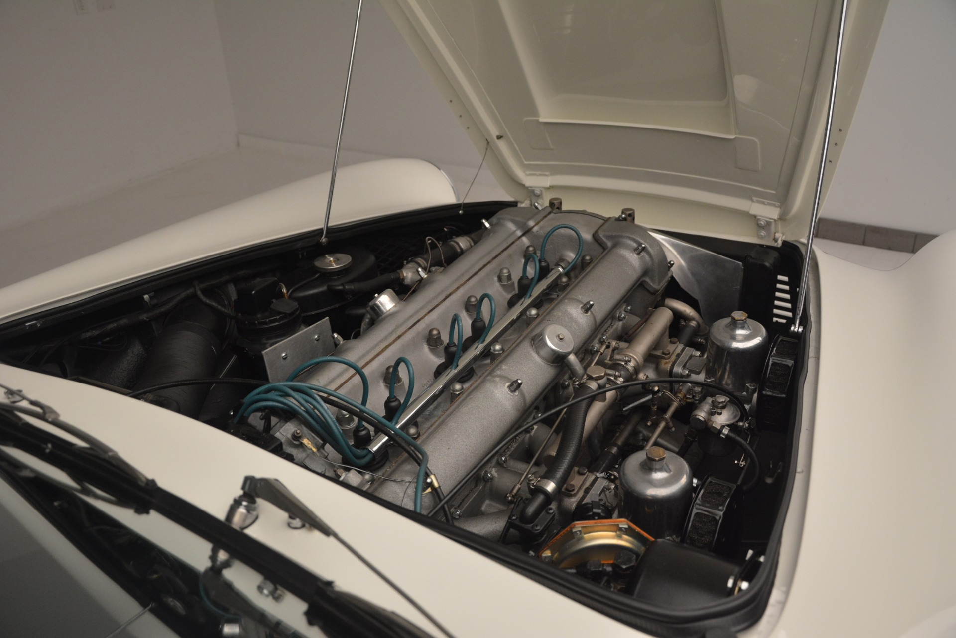 Used 1961 Aston Martin DB4 Series IV Coupe For Sale In Greenwich, CT. Alfa Romeo of Greenwich, 7567C 3186_p33