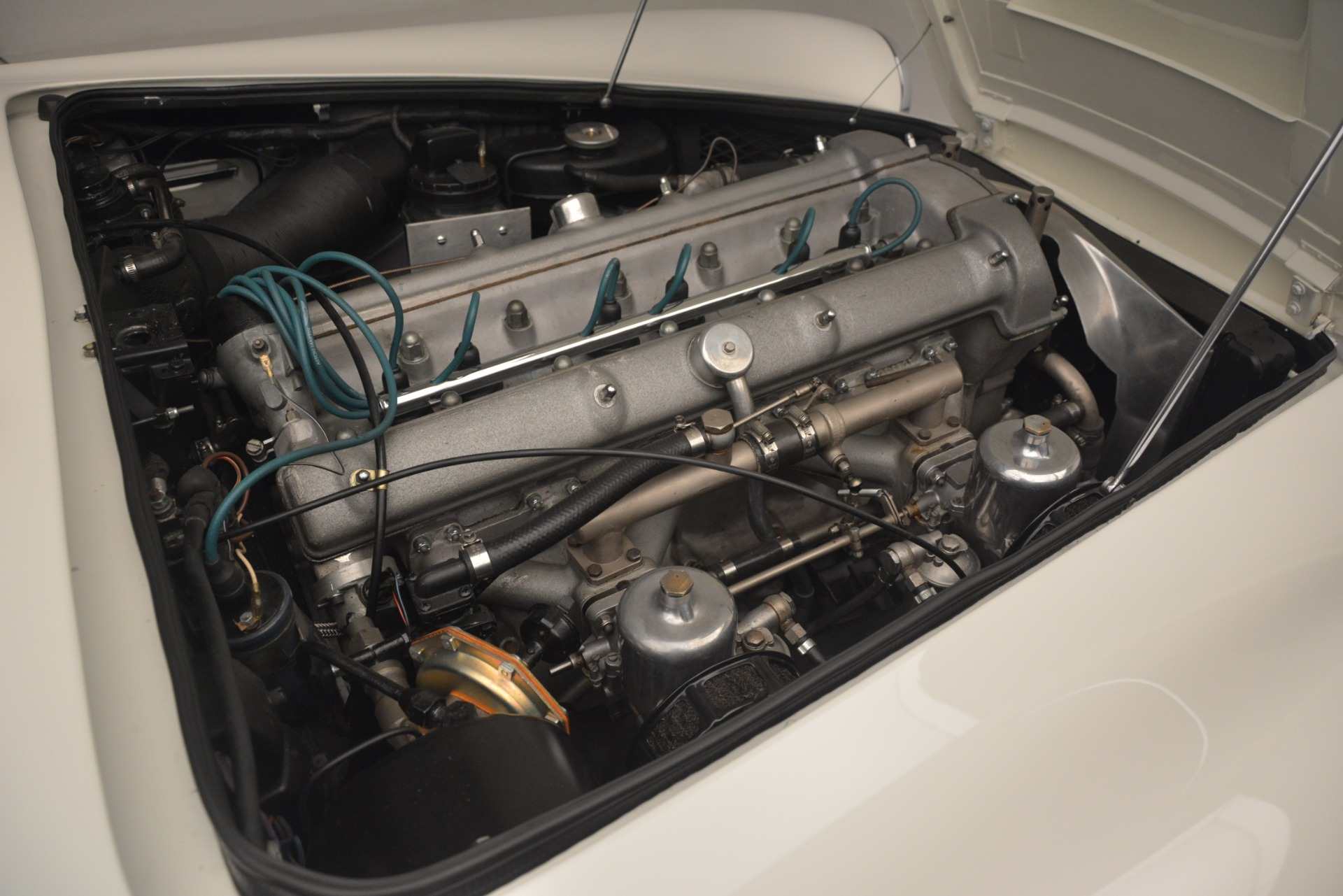 Used 1961 Aston Martin DB4 Series IV Coupe For Sale In Greenwich, CT. Alfa Romeo of Greenwich, 7567C 3186_p34