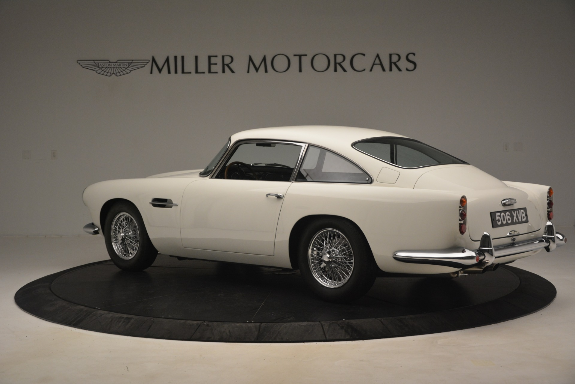 Used 1961 Aston Martin DB4 Series IV Coupe For Sale In Greenwich, CT. Alfa Romeo of Greenwich, 7567C 3186_p4