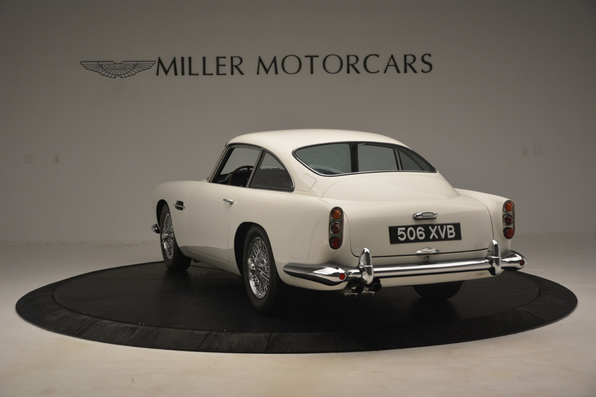 Used 1961 Aston Martin DB4 Series IV Coupe For Sale In Greenwich, CT. Alfa Romeo of Greenwich, 7567C 3186_p5