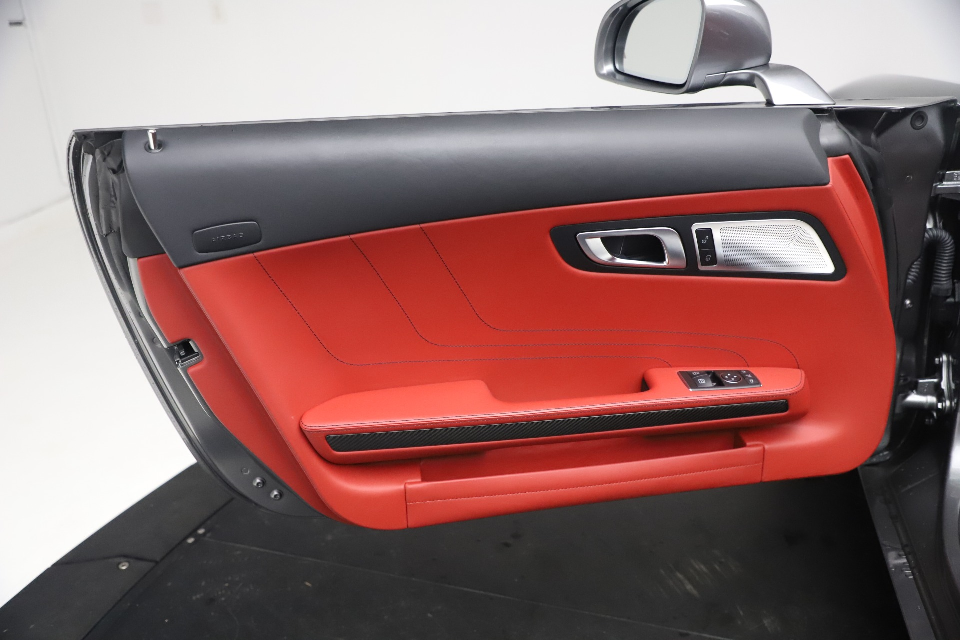 Used 2012 Mercedes-Benz SLS AMG  For Sale In Greenwich, CT. Alfa Romeo of Greenwich, 7563 3189_p25