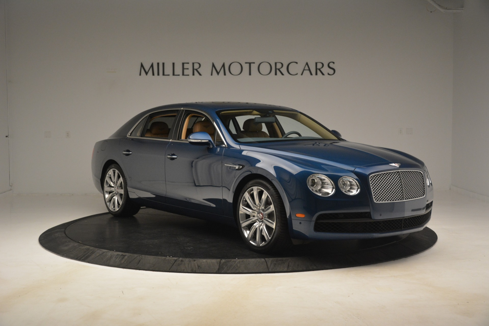 Used 2016 Bentley Flying Spur V8 For Sale In Greenwich, CT. Alfa Romeo of Greenwich, 7575 3195_p11