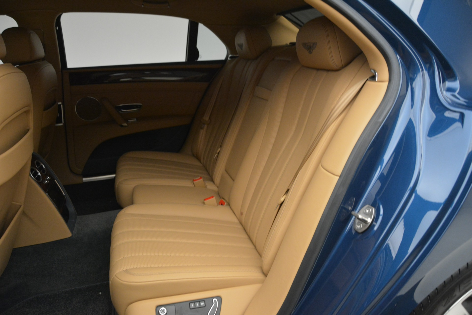 Used 2016 Bentley Flying Spur V8 For Sale In Greenwich, CT. Alfa Romeo of Greenwich, 7575 3195_p22