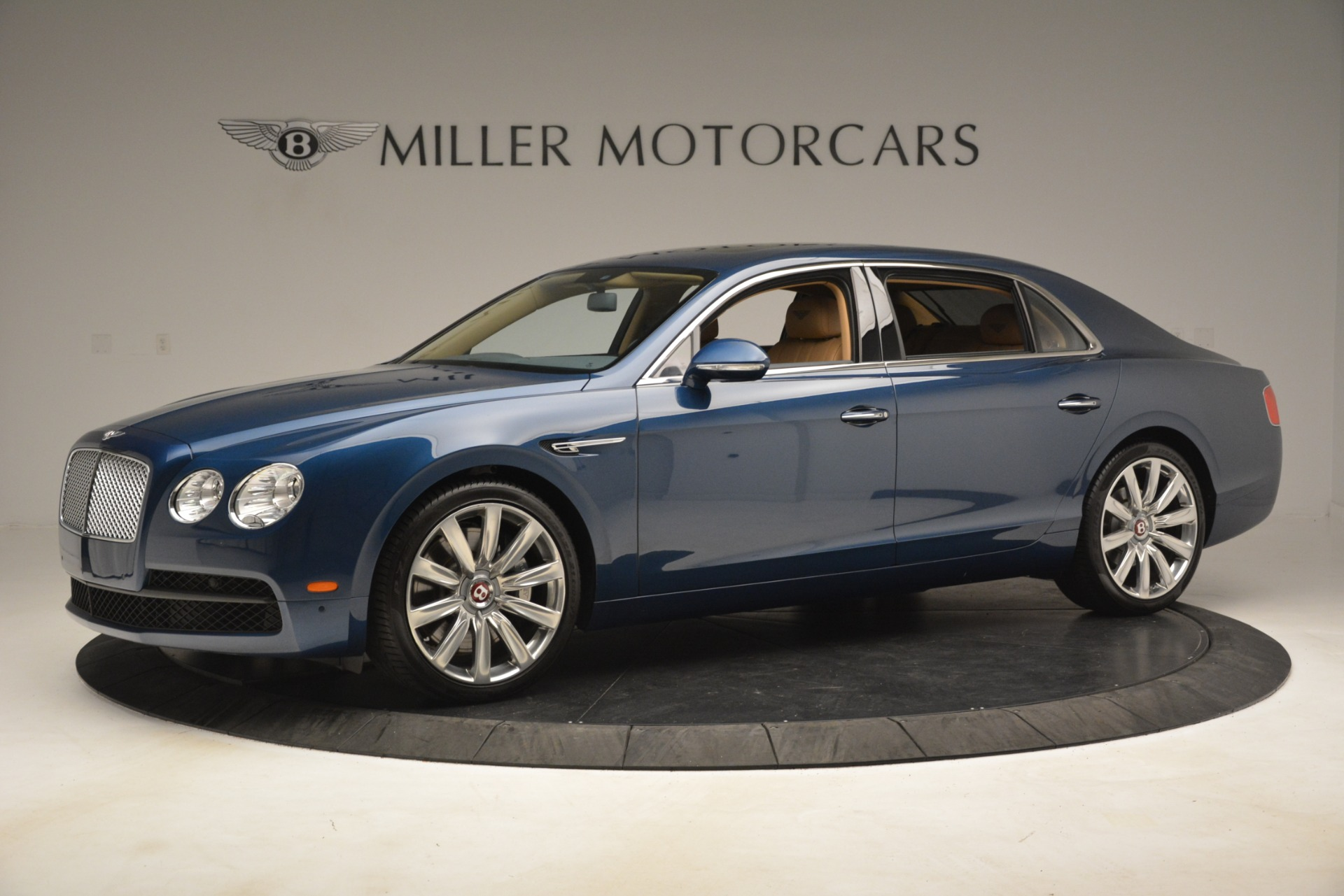 Used 2016 Bentley Flying Spur V8 For Sale In Greenwich, CT. Alfa Romeo of Greenwich, 7575 3195_p2