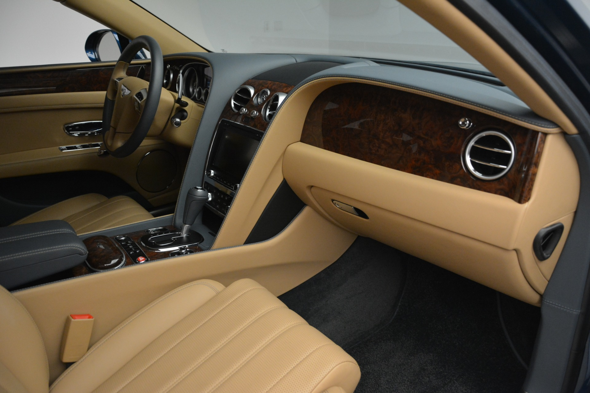 Used 2016 Bentley Flying Spur V8 For Sale In Greenwich, CT. Alfa Romeo of Greenwich, 7575 3195_p30