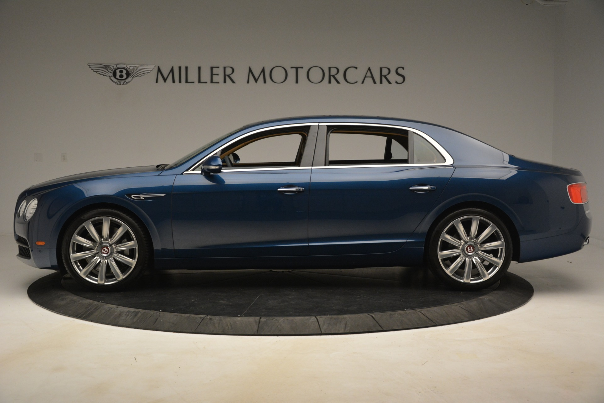 Used 2016 Bentley Flying Spur V8 For Sale In Greenwich, CT. Alfa Romeo of Greenwich, 7575 3195_p3