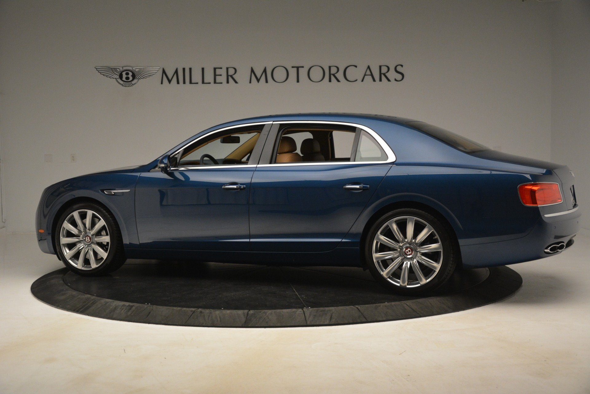 Used 2016 Bentley Flying Spur V8 For Sale In Greenwich, CT. Alfa Romeo of Greenwich, 7575 3195_p4