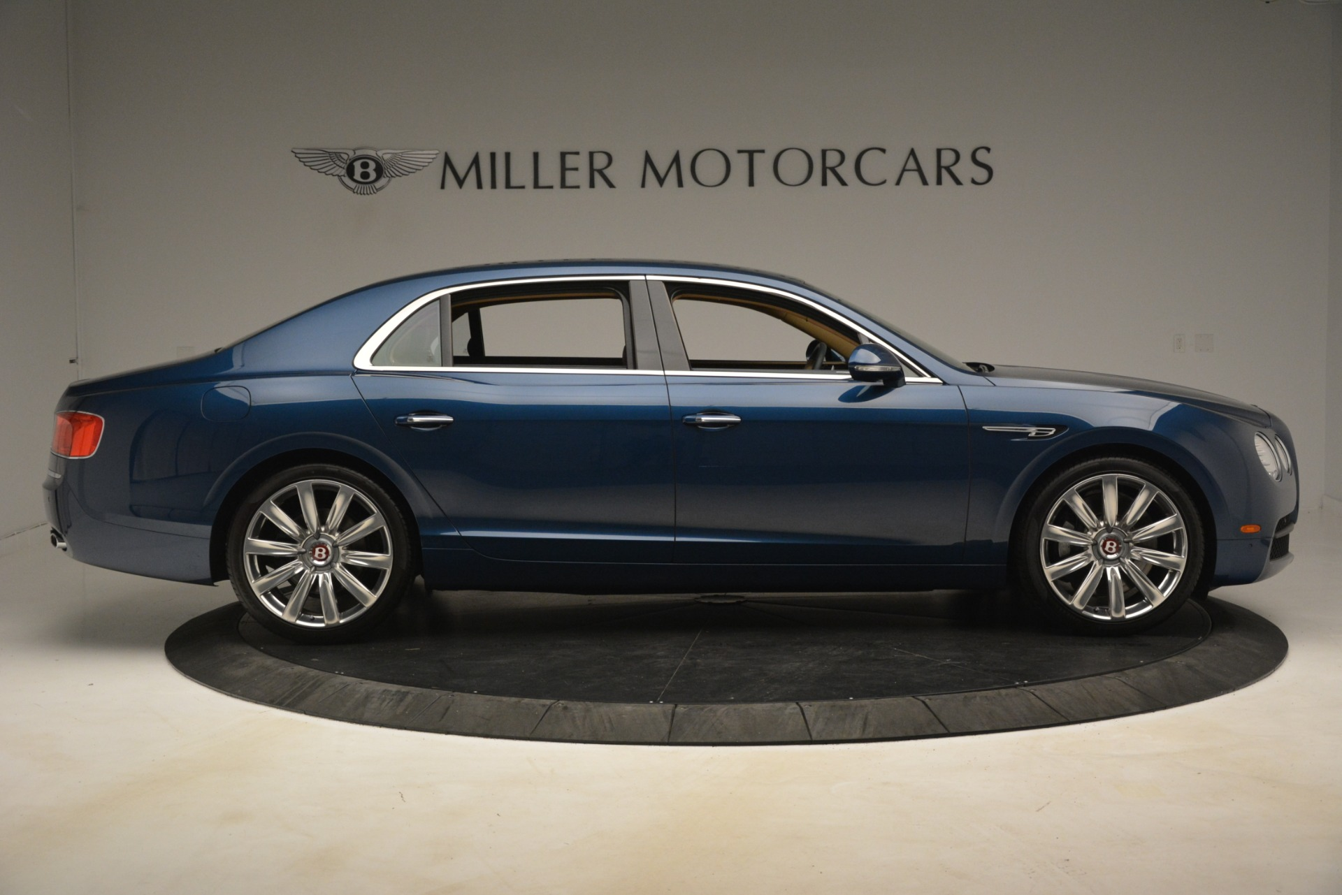 Used 2016 Bentley Flying Spur V8 For Sale In Greenwich, CT. Alfa Romeo of Greenwich, 7575 3195_p9