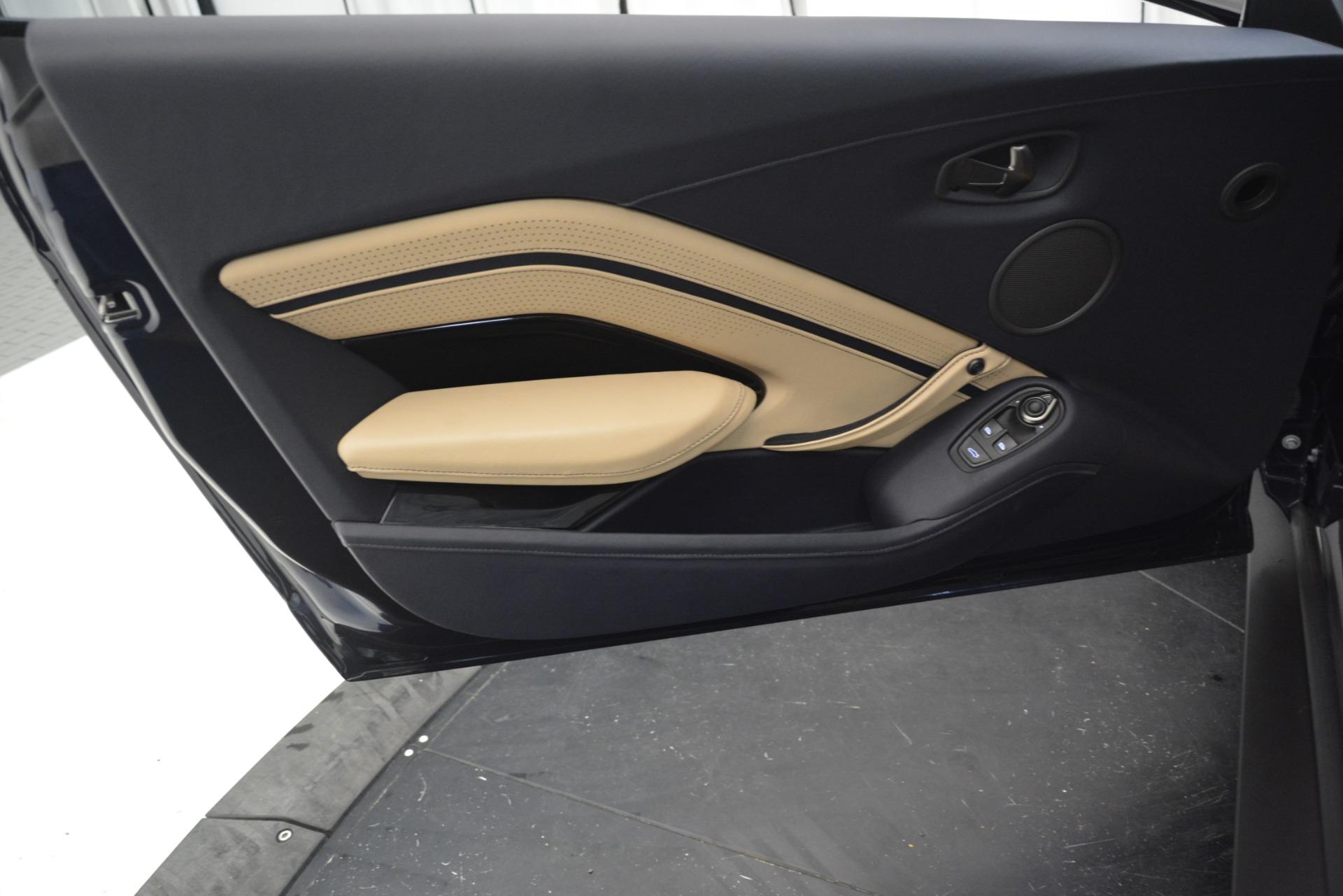 New 2019 Aston Martin Vantage V8 For Sale In Greenwich, CT. Alfa Romeo of Greenwich, A1349 3198_p17