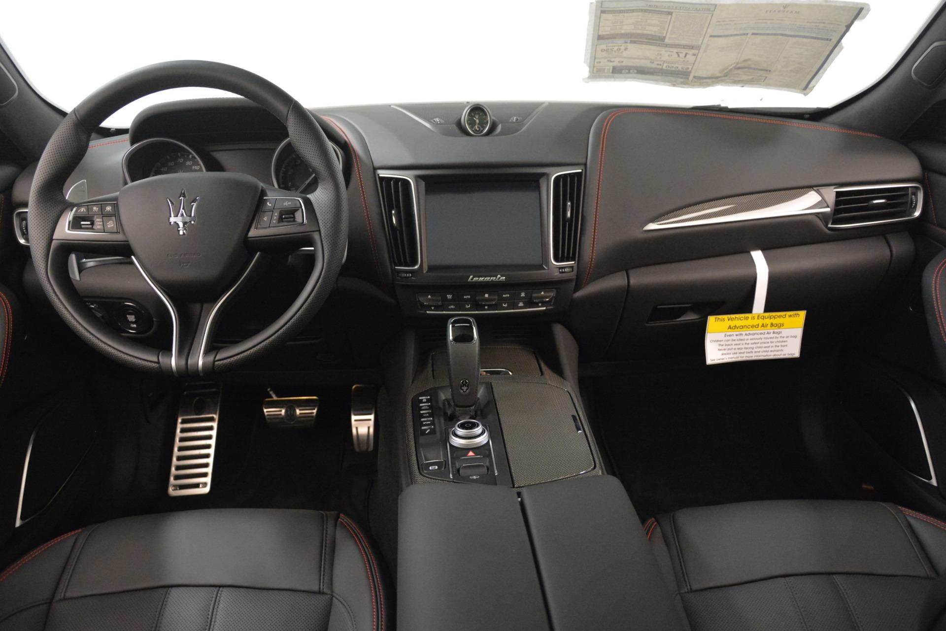 New 2019 Maserati Levante SQ4 GranSport Nerissimo For Sale In Greenwich, CT. Alfa Romeo of Greenwich, W688 3199_p16