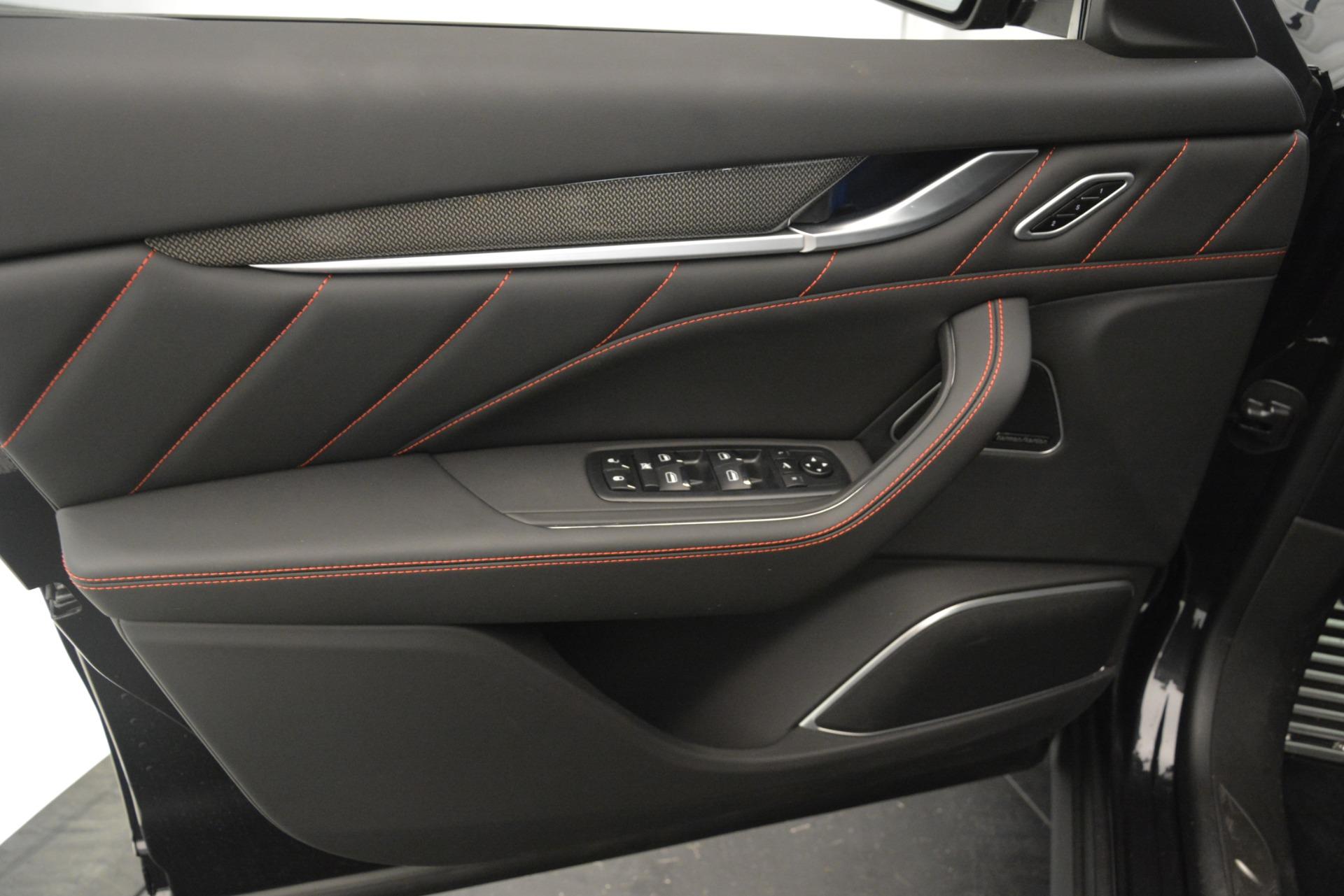 New 2019 Maserati Levante SQ4 GranSport Nerissimo For Sale In Greenwich, CT. Alfa Romeo of Greenwich, W688 3199_p17