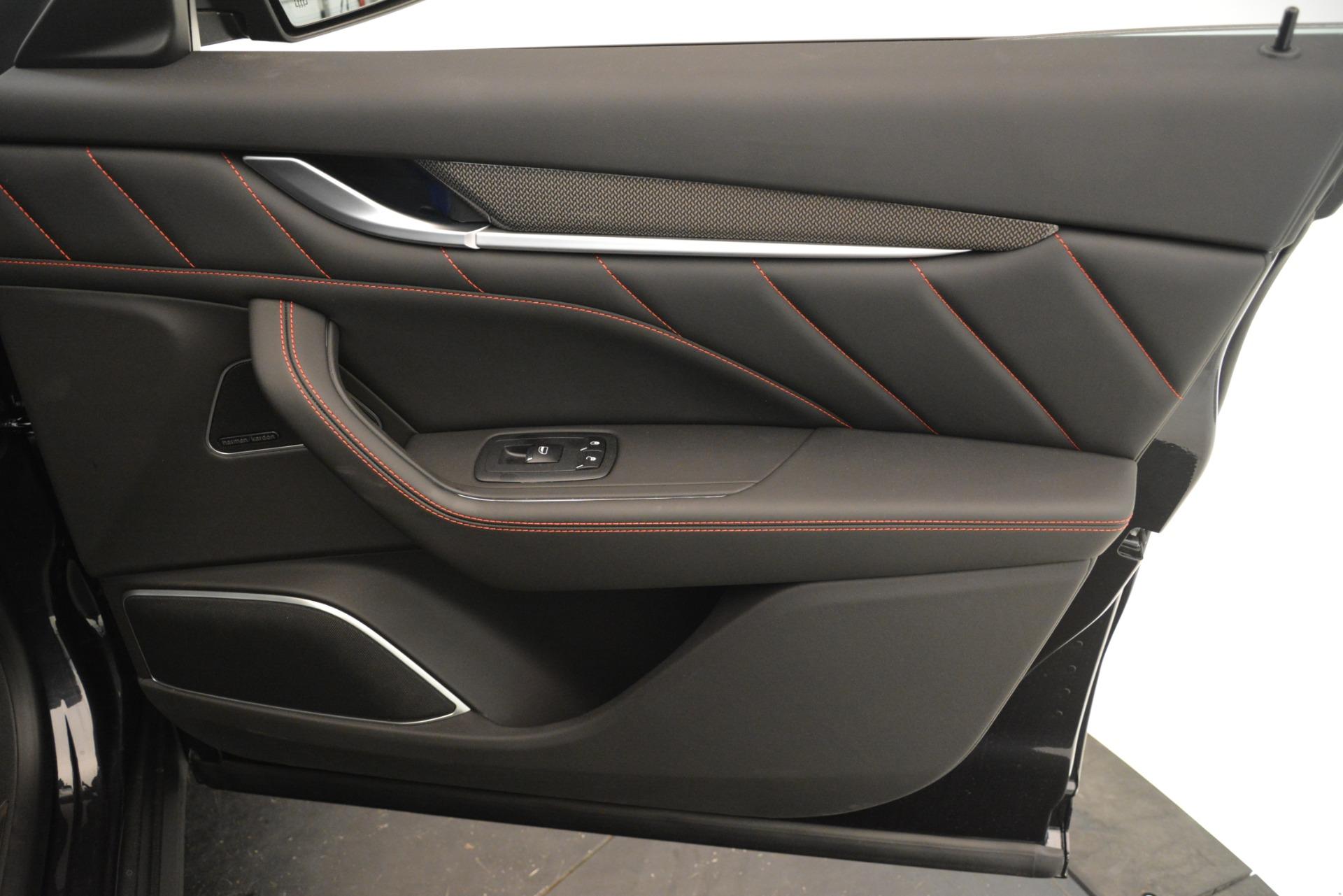 New 2019 Maserati Levante SQ4 GranSport Nerissimo For Sale In Greenwich, CT. Alfa Romeo of Greenwich, W688 3199_p25