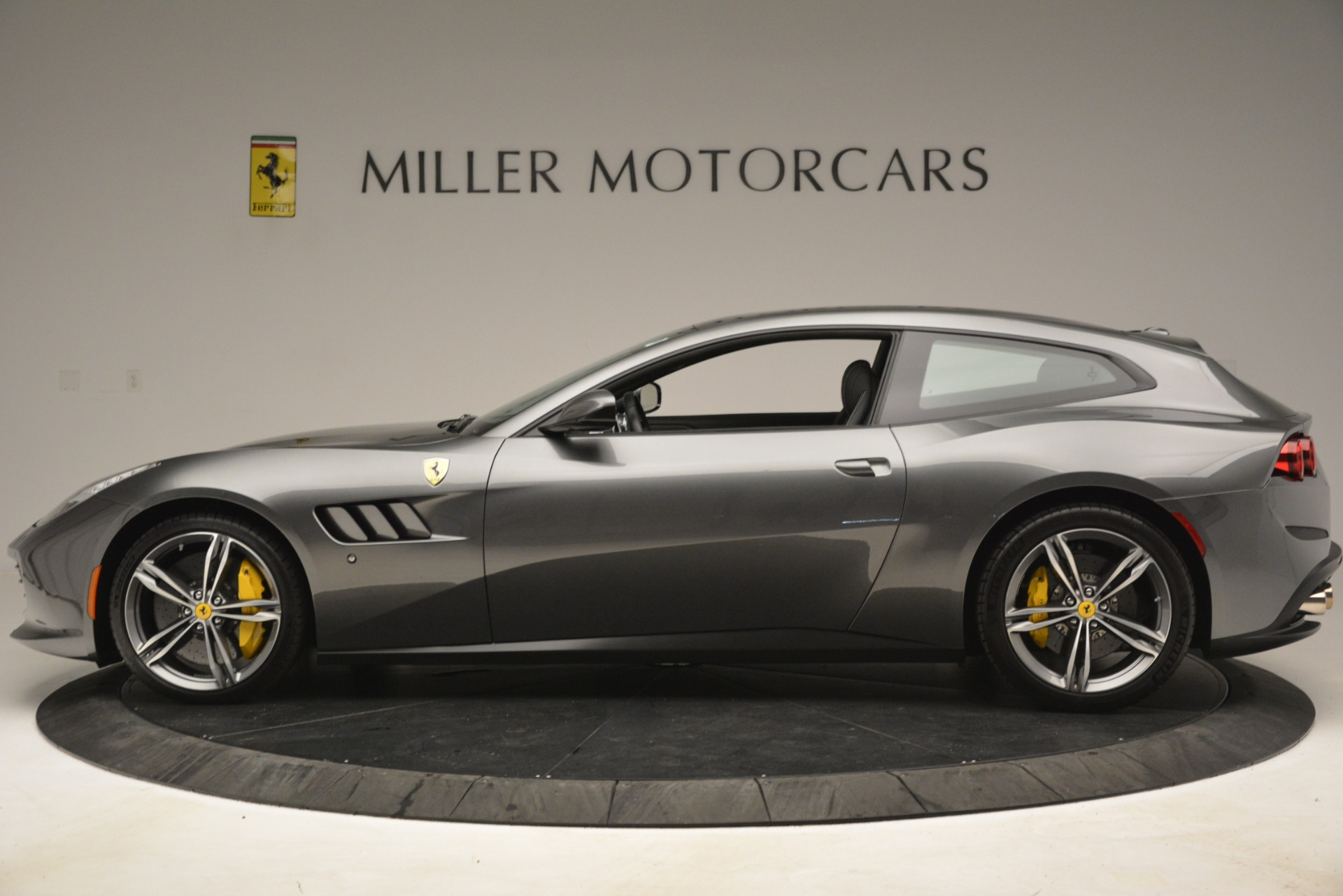 Used 2018 Ferrari GTC4Lusso  For Sale In Greenwich, CT. Alfa Romeo of Greenwich, 4569 3201_p3