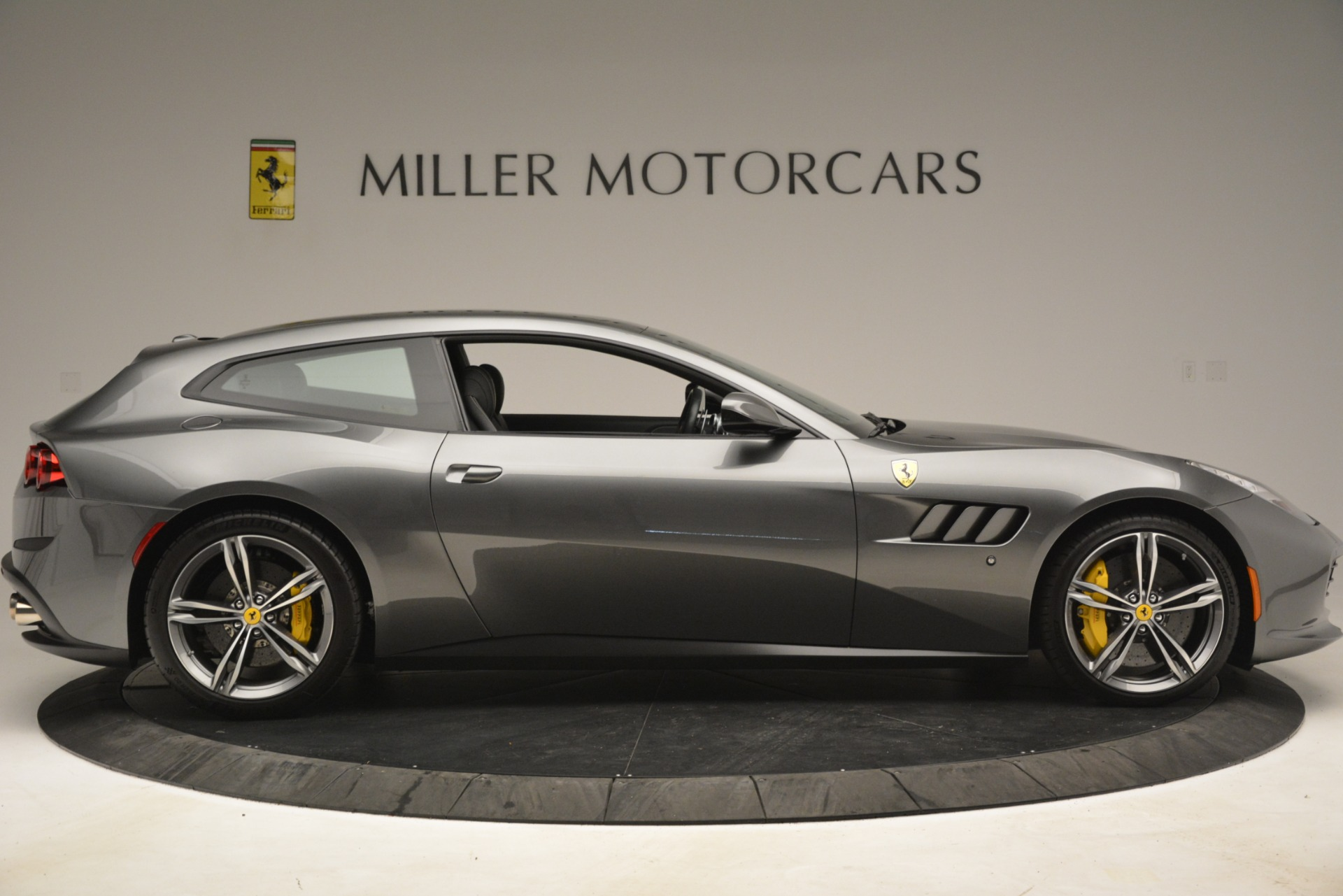 Used 2018 Ferrari GTC4Lusso  For Sale In Greenwich, CT. Alfa Romeo of Greenwich, 4569 3201_p9