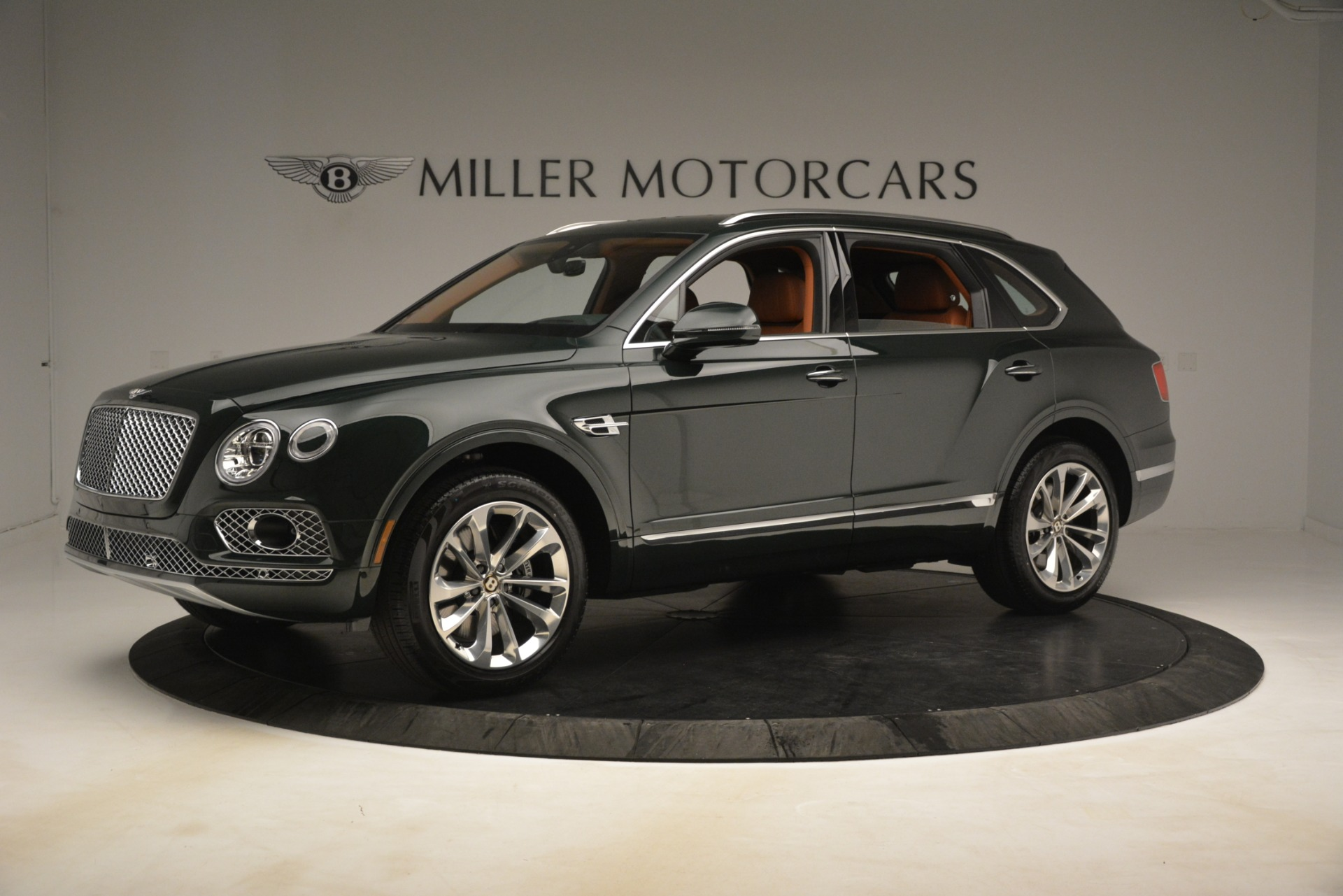 New 2019 Bentley Bentayga V8 For Sale In Greenwich, CT. Alfa Romeo of Greenwich, B1403 3203_p2