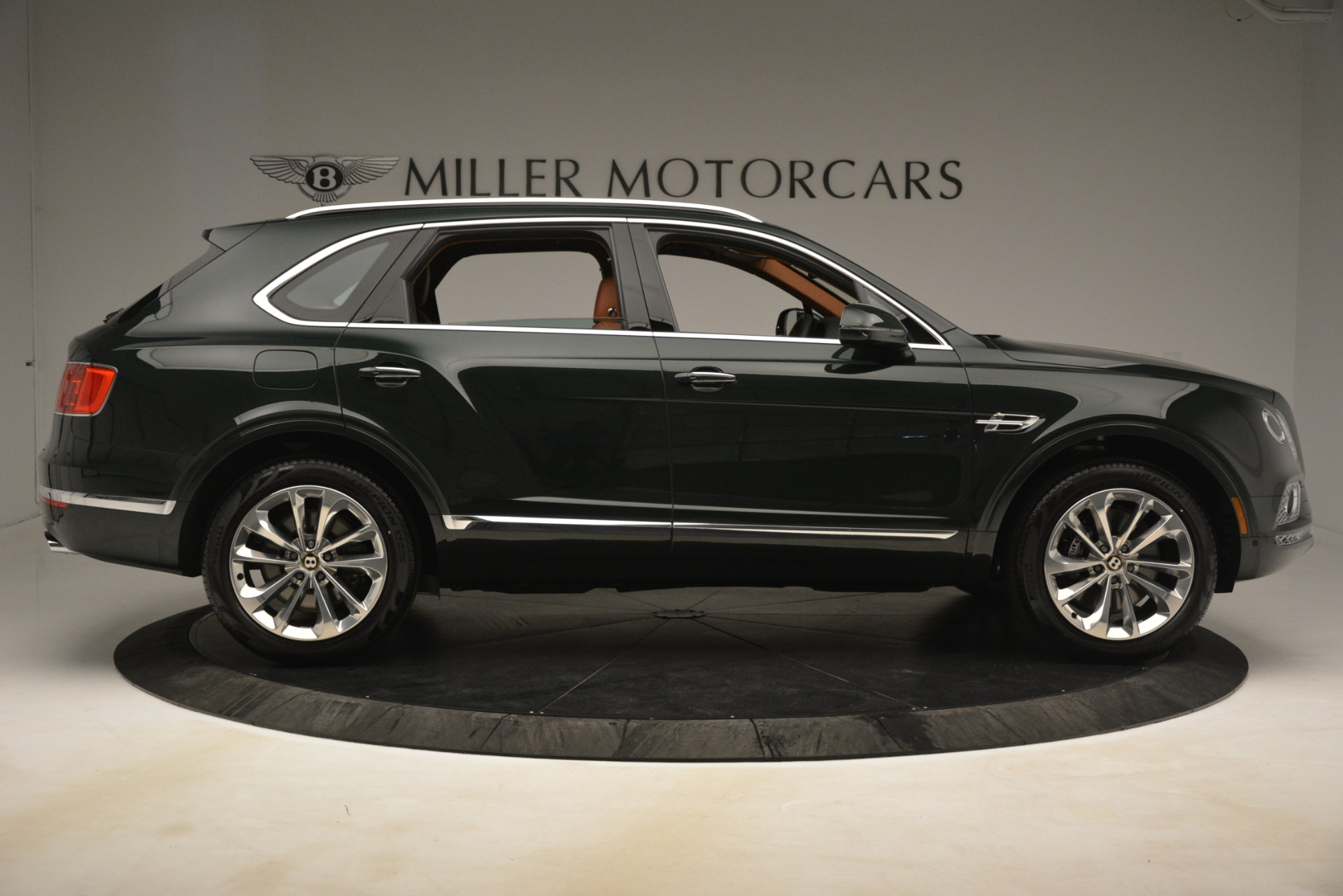 New 2019 Bentley Bentayga V8 For Sale In Greenwich, CT. Alfa Romeo of Greenwich, B1403 3203_p9