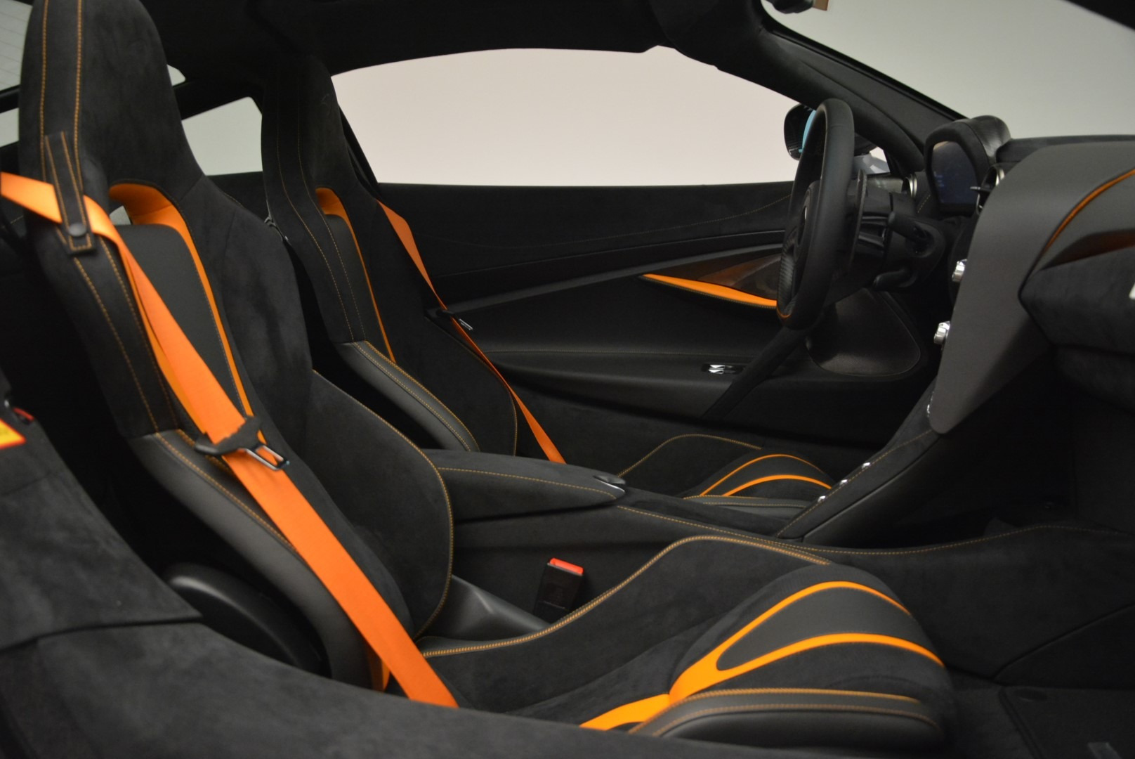 Used 2018 McLaren 720S Coupe For Sale In Greenwich, CT. Alfa Romeo of Greenwich, 3166 3205_p19