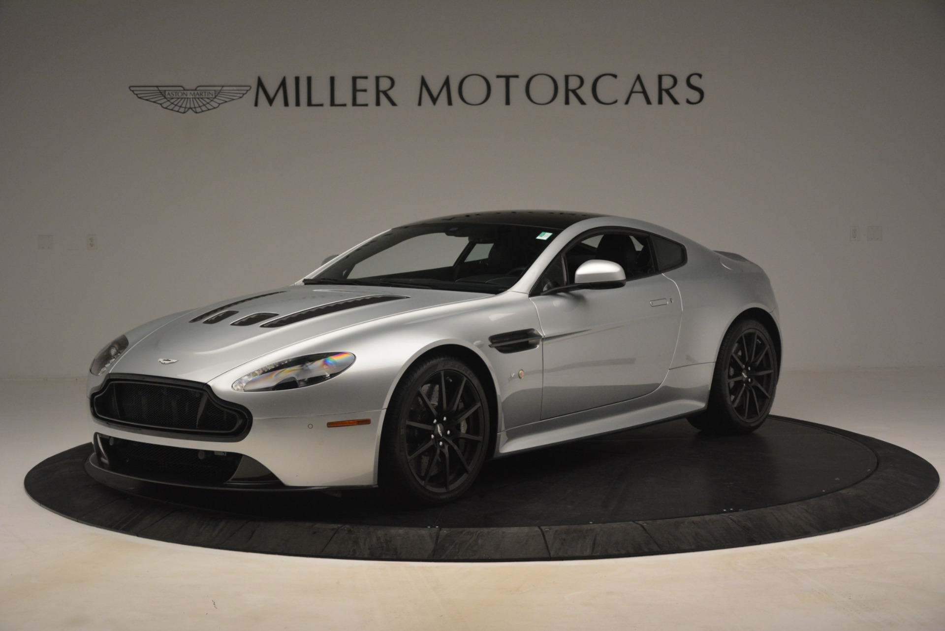 Used 2015 Aston Martin V12 Vantage S Coupe For Sale In Greenwich, CT. Alfa Romeo of Greenwich, 7577 3206_main