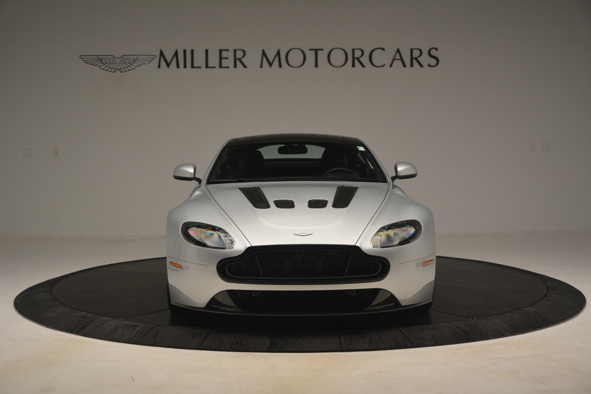 Used 2015 Aston Martin V12 Vantage S Coupe For Sale In Greenwich, CT. Alfa Romeo of Greenwich, 7577 3206_p12