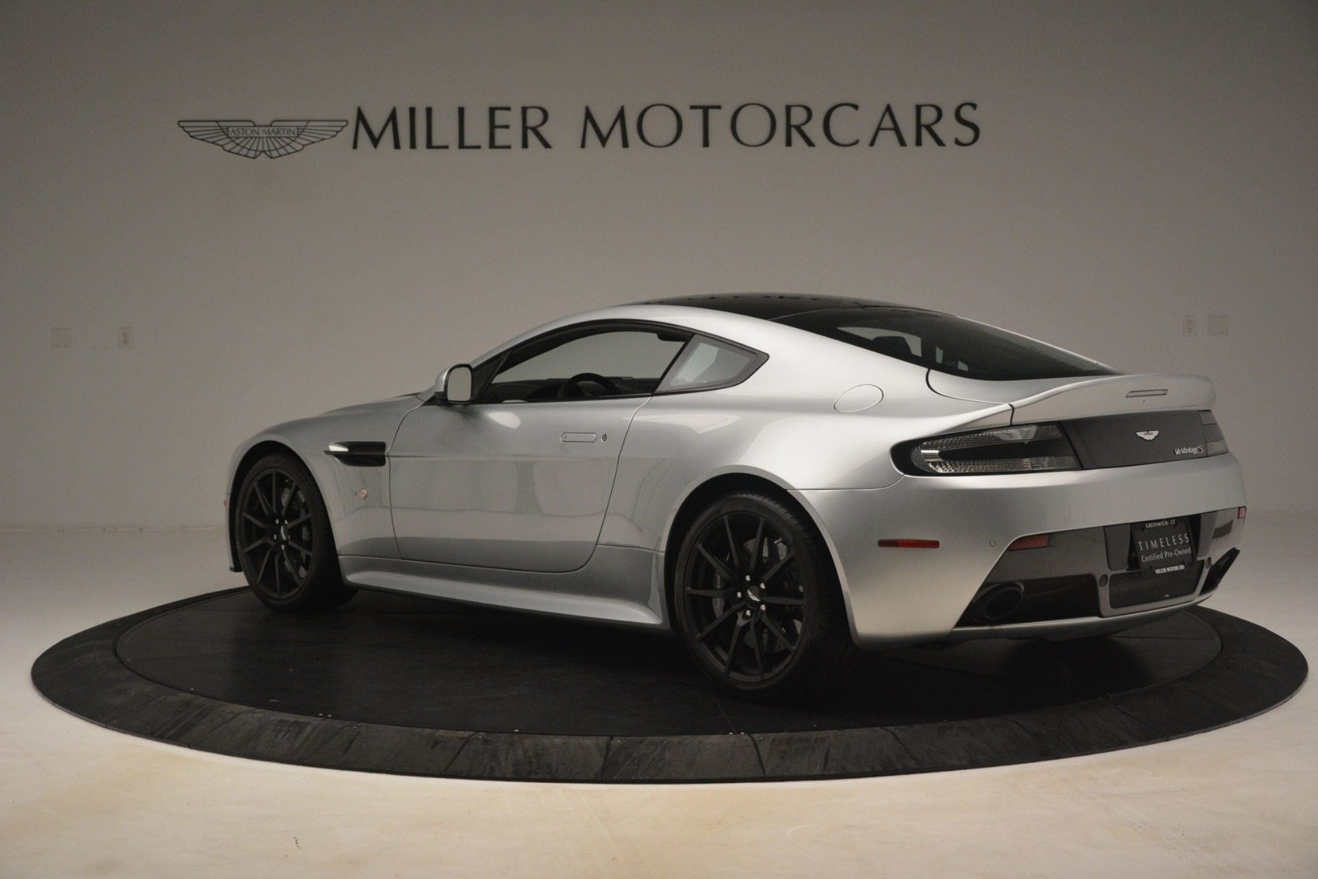Used 2015 Aston Martin V12 Vantage S Coupe For Sale In Greenwich, CT. Alfa Romeo of Greenwich, 7577 3206_p4
