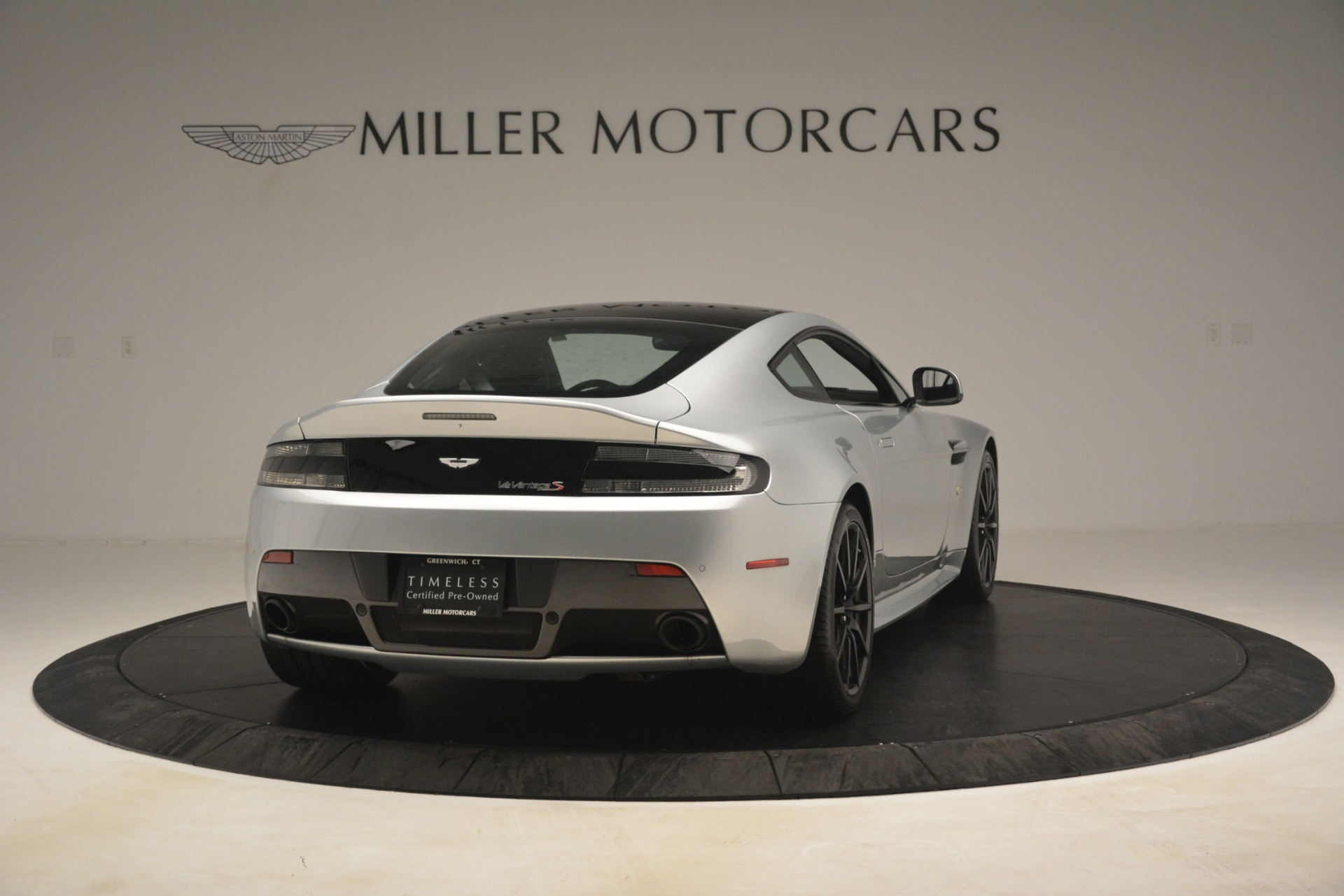 Used 2015 Aston Martin V12 Vantage S Coupe For Sale In Greenwich, CT. Alfa Romeo of Greenwich, 7577 3206_p7
