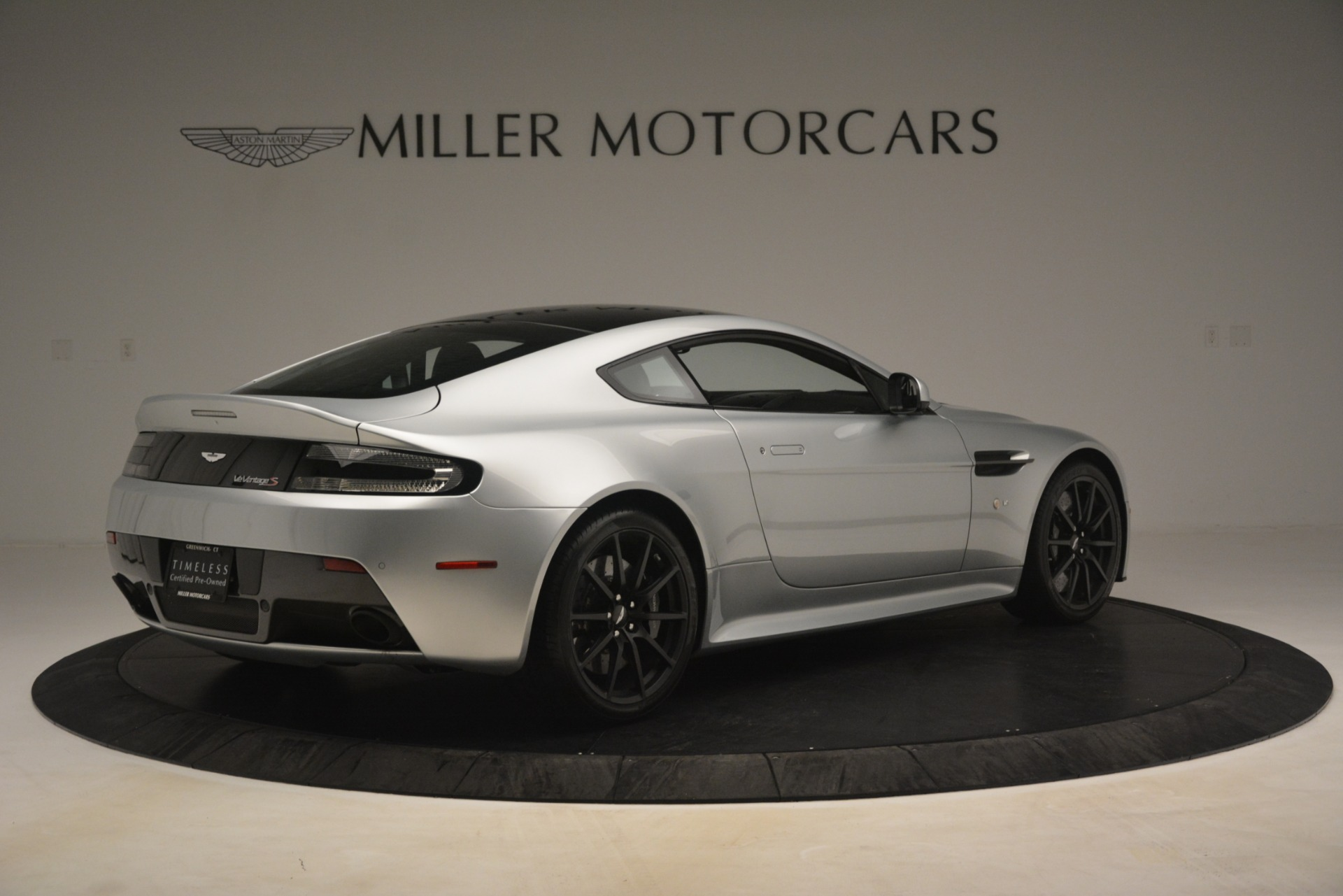 Used 2015 Aston Martin V12 Vantage S Coupe For Sale In Greenwich, CT. Alfa Romeo of Greenwich, 7577 3206_p8