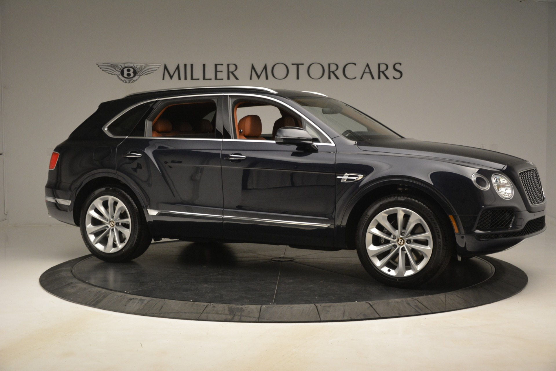New 2019 Bentley Bentayga V8 For Sale In Greenwich, CT. Alfa Romeo of Greenwich, B1404 3207_p10
