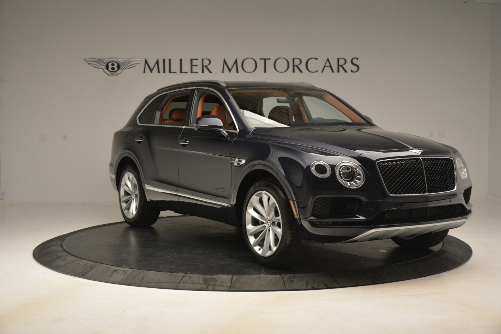 New 2019 Bentley Bentayga V8 For Sale In Greenwich, CT. Alfa Romeo of Greenwich, B1404 3207_p11