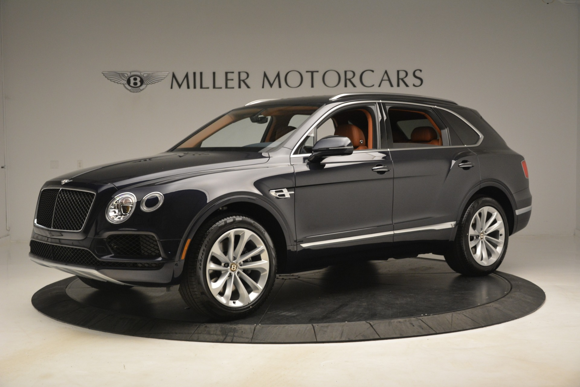 New 2019 Bentley Bentayga V8 For Sale In Greenwich, CT. Alfa Romeo of Greenwich, B1404 3207_p2
