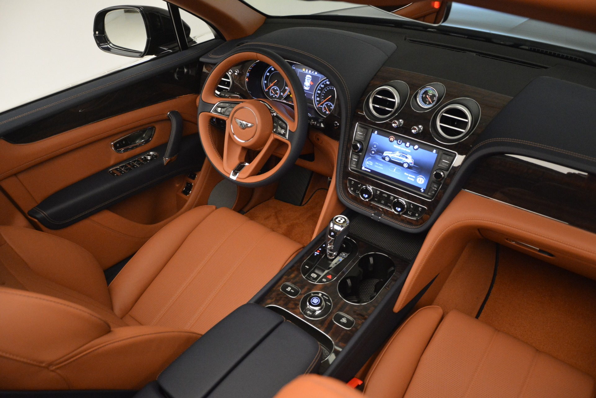 New 2019 Bentley Bentayga V8 For Sale In Greenwich, CT. Alfa Romeo of Greenwich, B1404 3207_p30
