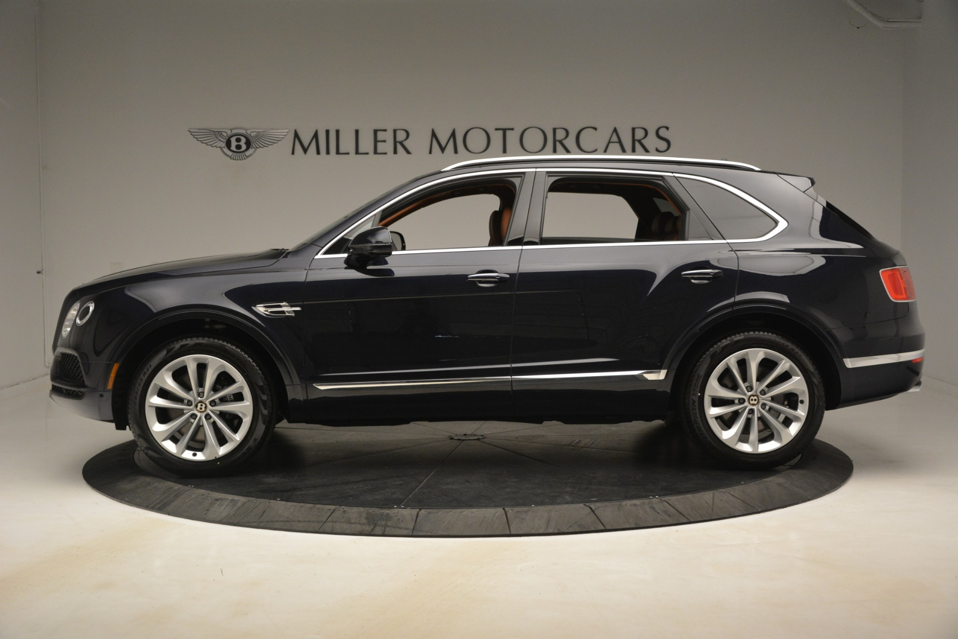 New 2019 Bentley Bentayga V8 For Sale In Greenwich, CT. Alfa Romeo of Greenwich, B1404 3207_p3
