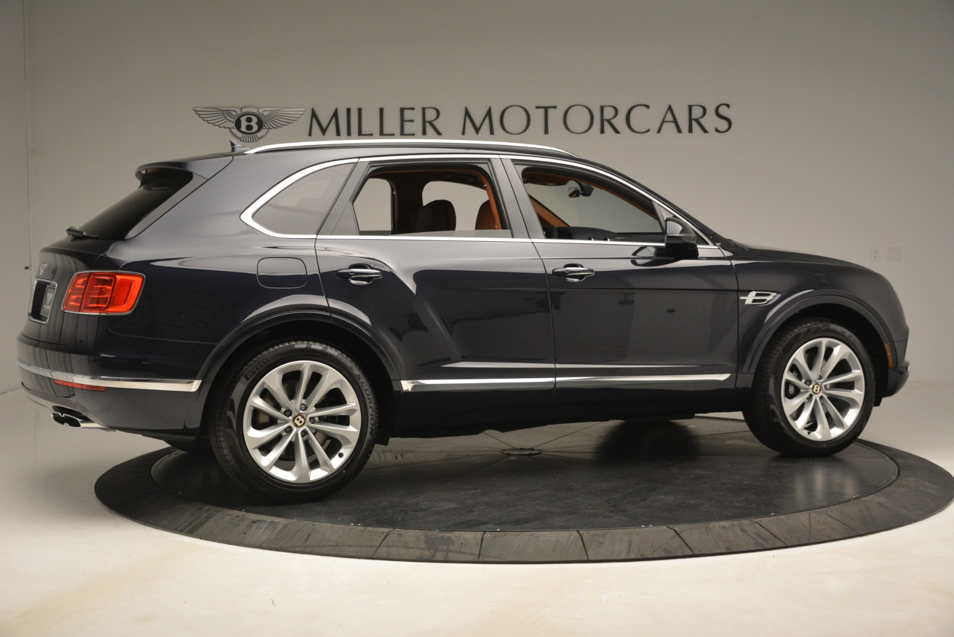 New 2019 Bentley Bentayga V8 For Sale In Greenwich, CT. Alfa Romeo of Greenwich, B1404 3207_p8
