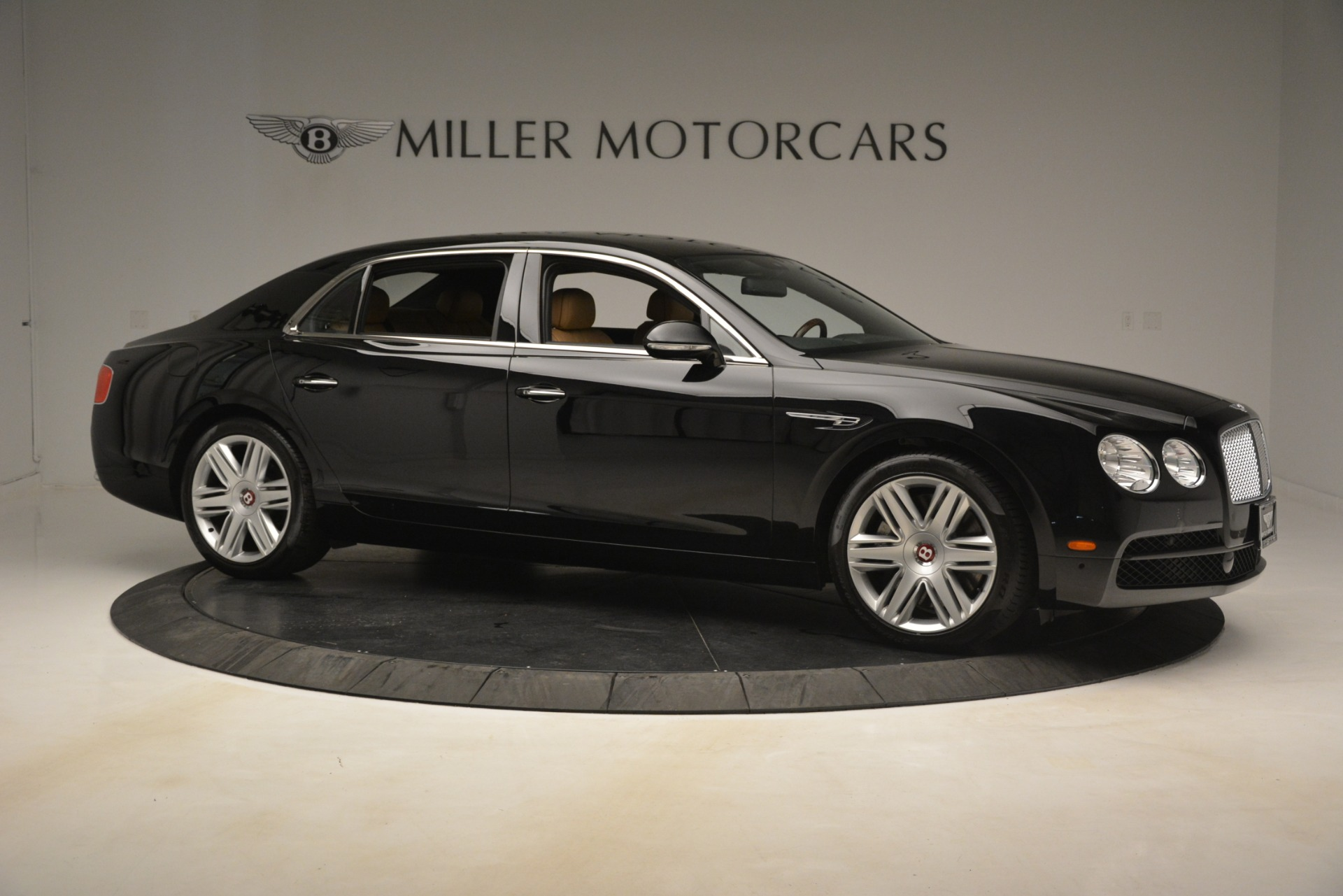 Used 2016 Bentley Flying Spur V8 For Sale In Greenwich, CT. Alfa Romeo of Greenwich, 7578 3210_p11