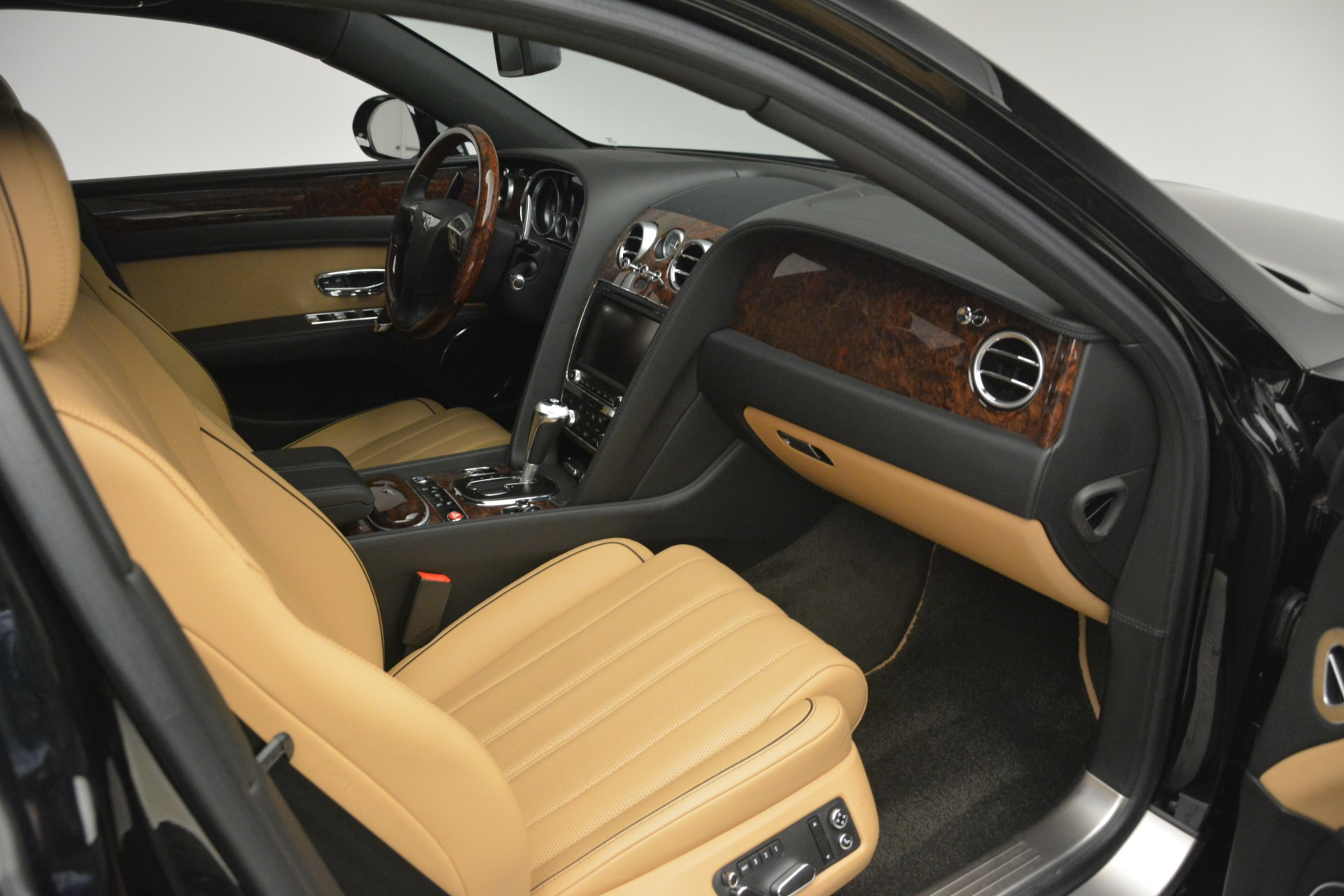 Used 2016 Bentley Flying Spur V8 For Sale In Greenwich, CT. Alfa Romeo of Greenwich, 7578 3210_p27
