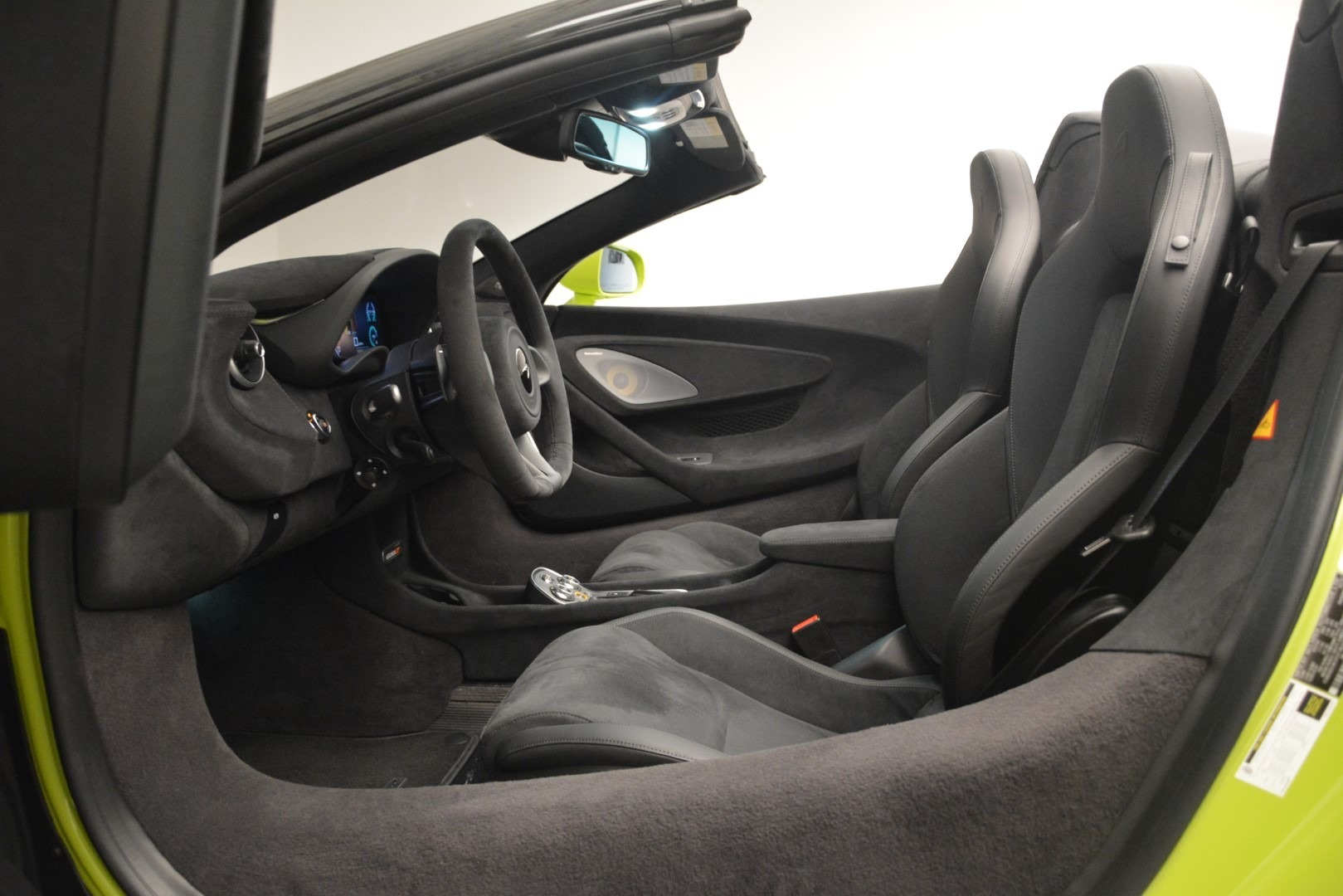 New 2020 McLaren 600LT Convertible For Sale In Greenwich, CT. Alfa Romeo of Greenwich, MC425 3213_p30