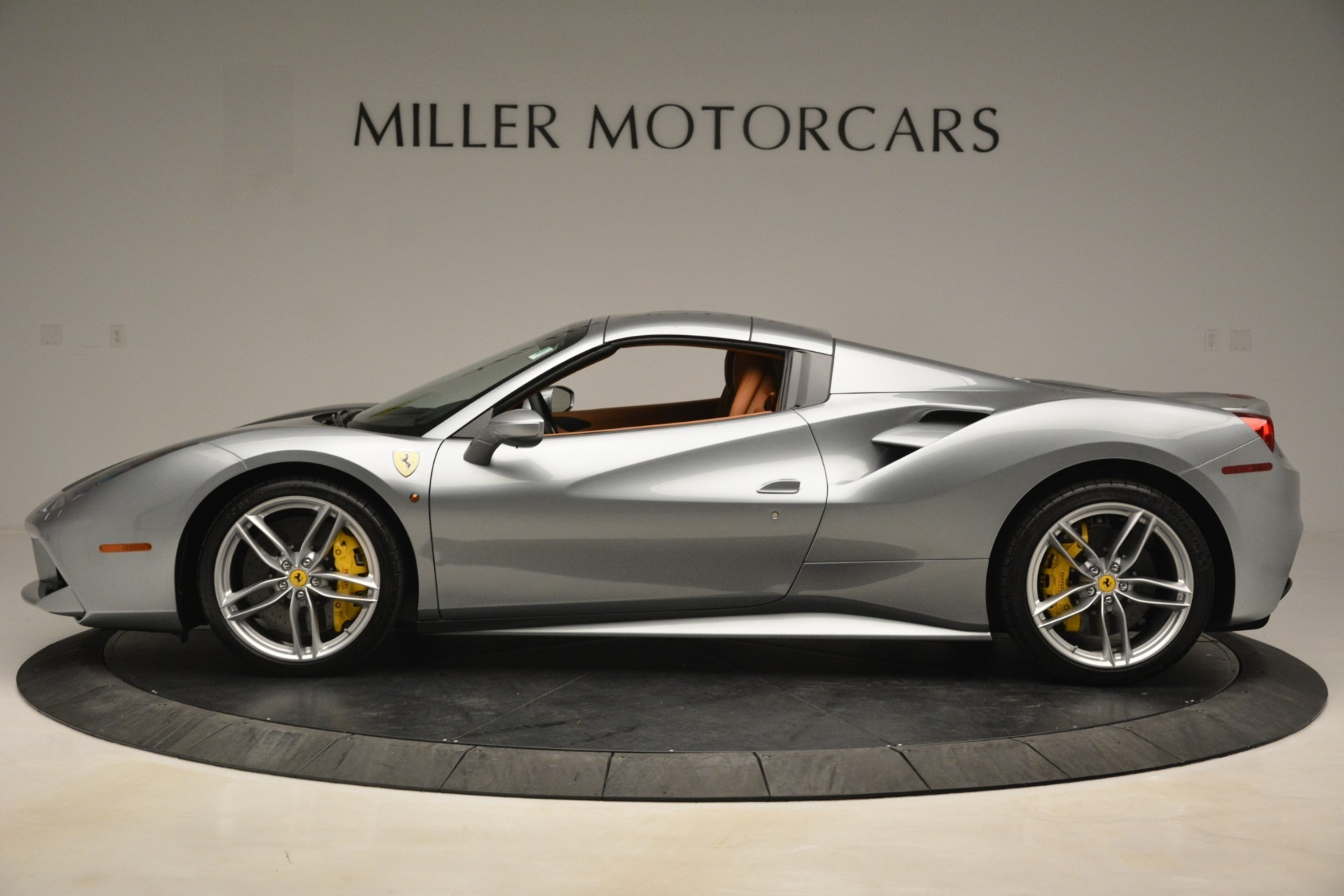 Used 2019 Ferrari 488 Spider  For Sale In Greenwich, CT. Alfa Romeo of Greenwich, 4571 3216_p14