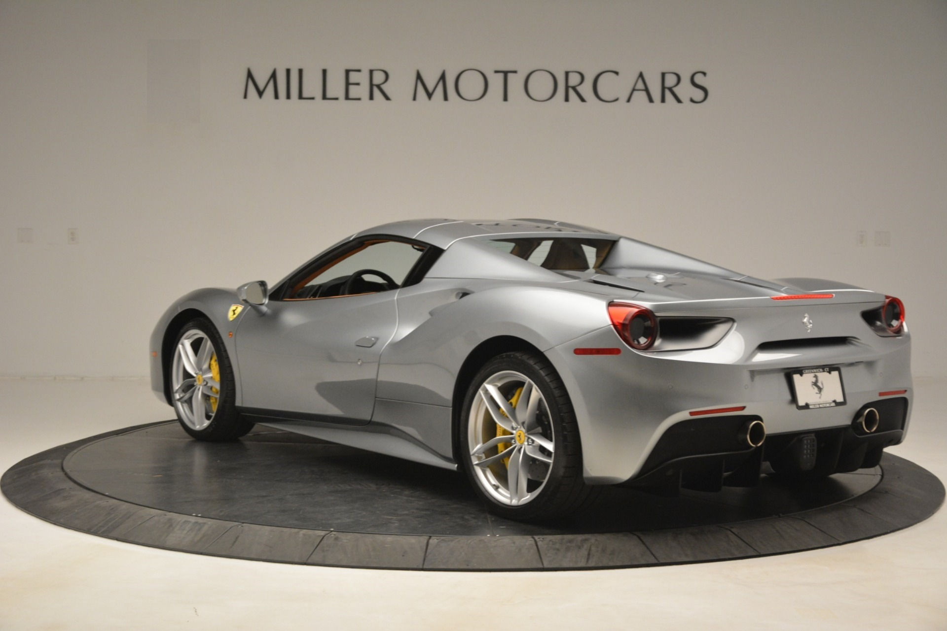 Used 2019 Ferrari 488 Spider  For Sale In Greenwich, CT. Alfa Romeo of Greenwich, 4571 3216_p15