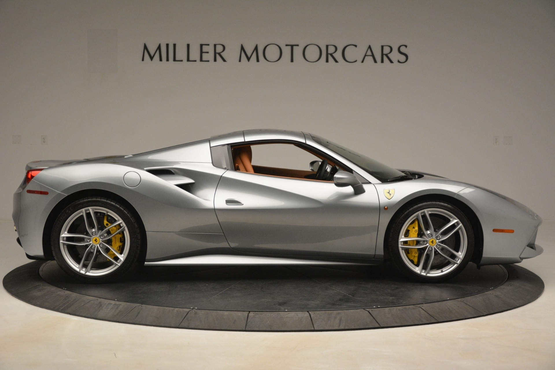 Used 2019 Ferrari 488 Spider  For Sale In Greenwich, CT. Alfa Romeo of Greenwich, 4571 3216_p17