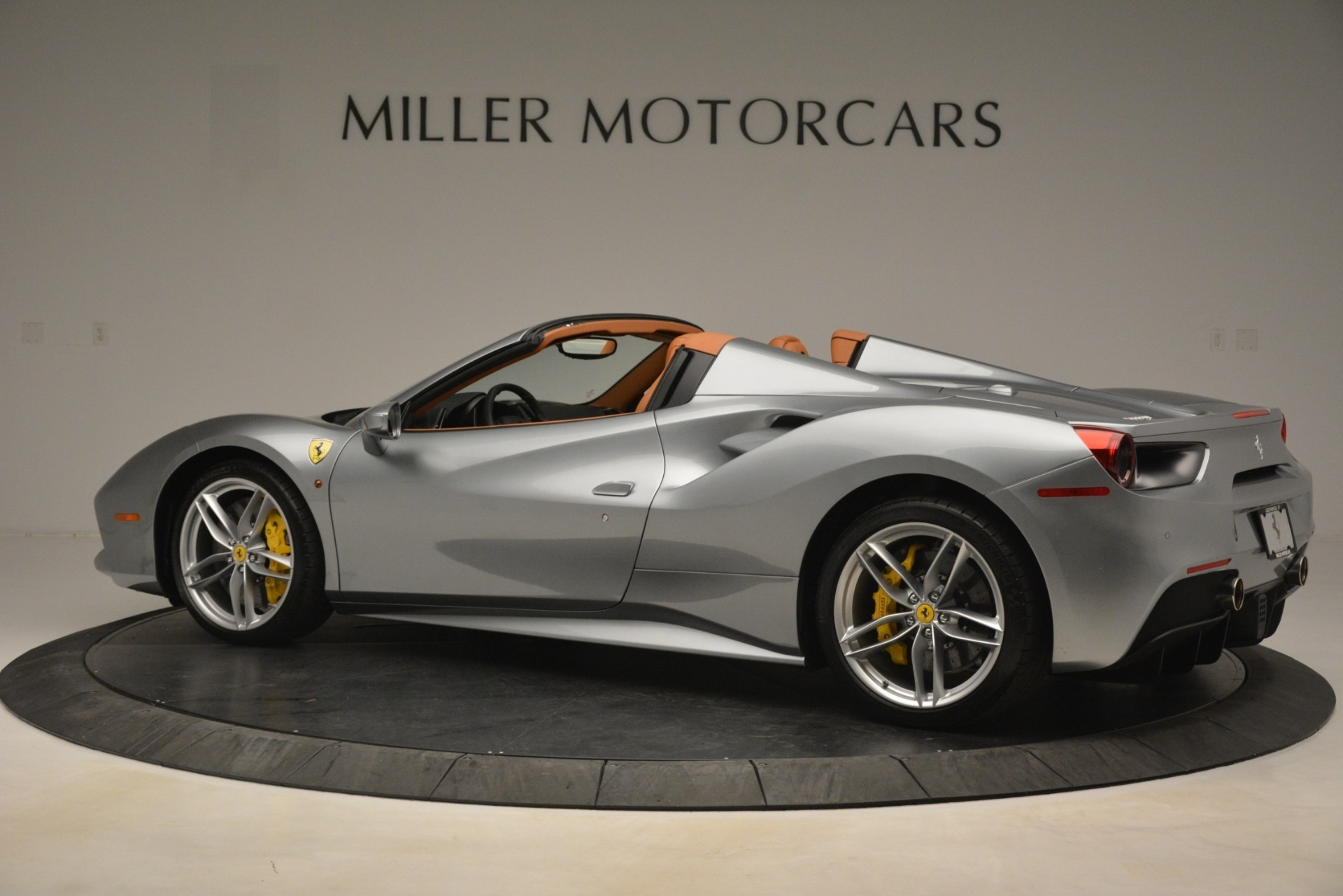Used 2019 Ferrari 488 Spider  For Sale In Greenwich, CT. Alfa Romeo of Greenwich, 4571 3216_p4