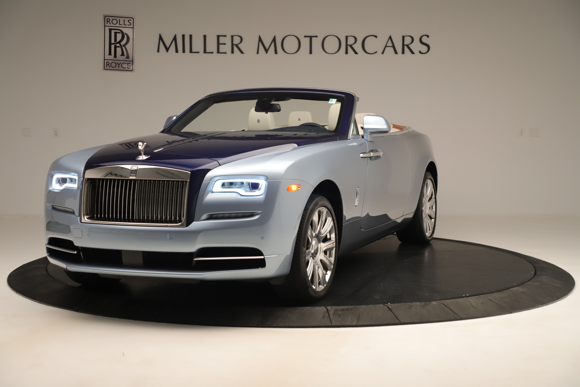 Used 2016 Rolls-Royce Dawn  For Sale In Greenwich, CT. Alfa Romeo of Greenwich, 7585